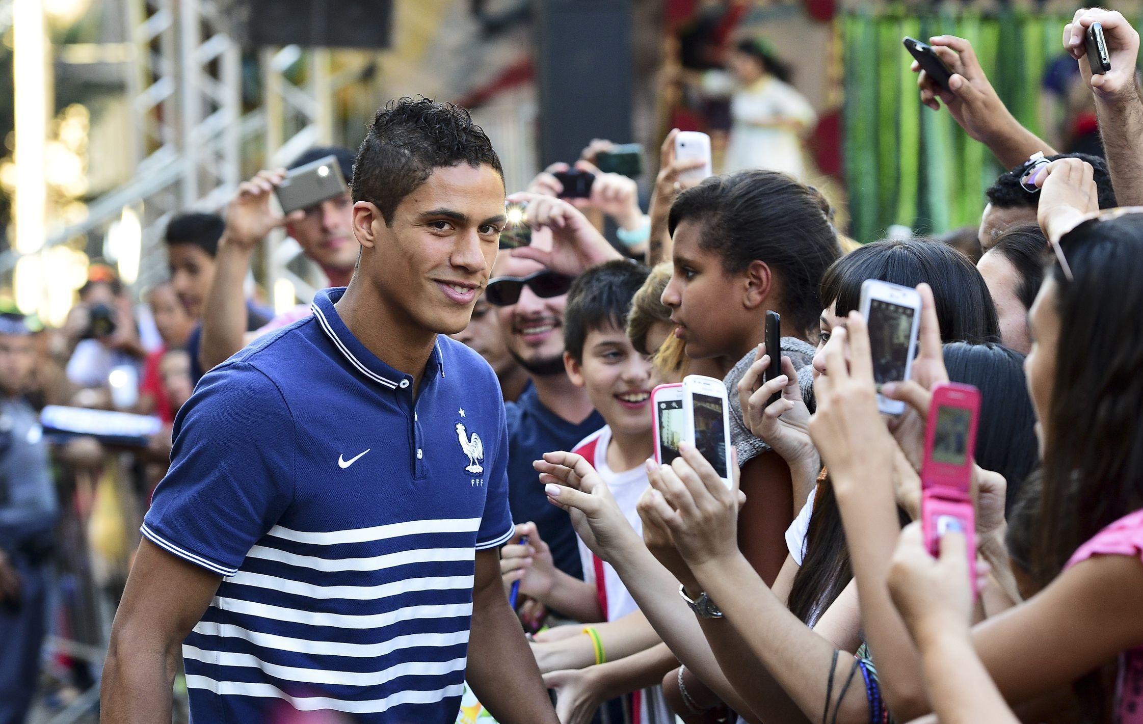 Varane qu importe notre statut equipe de france 2014 br sil coupe du monde football - Jeux de football coupe du monde 2014 ...