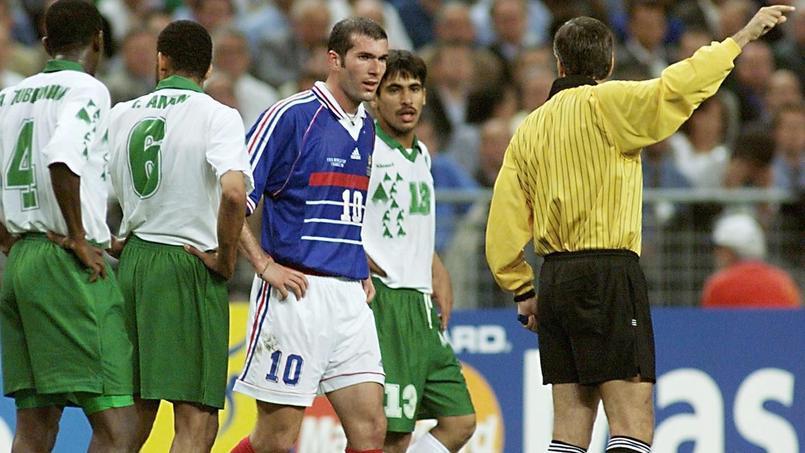 Football - Coupe du monde - 18 juin 1998 : la France écrase l'Arabie Saoudite mais perd Zidane