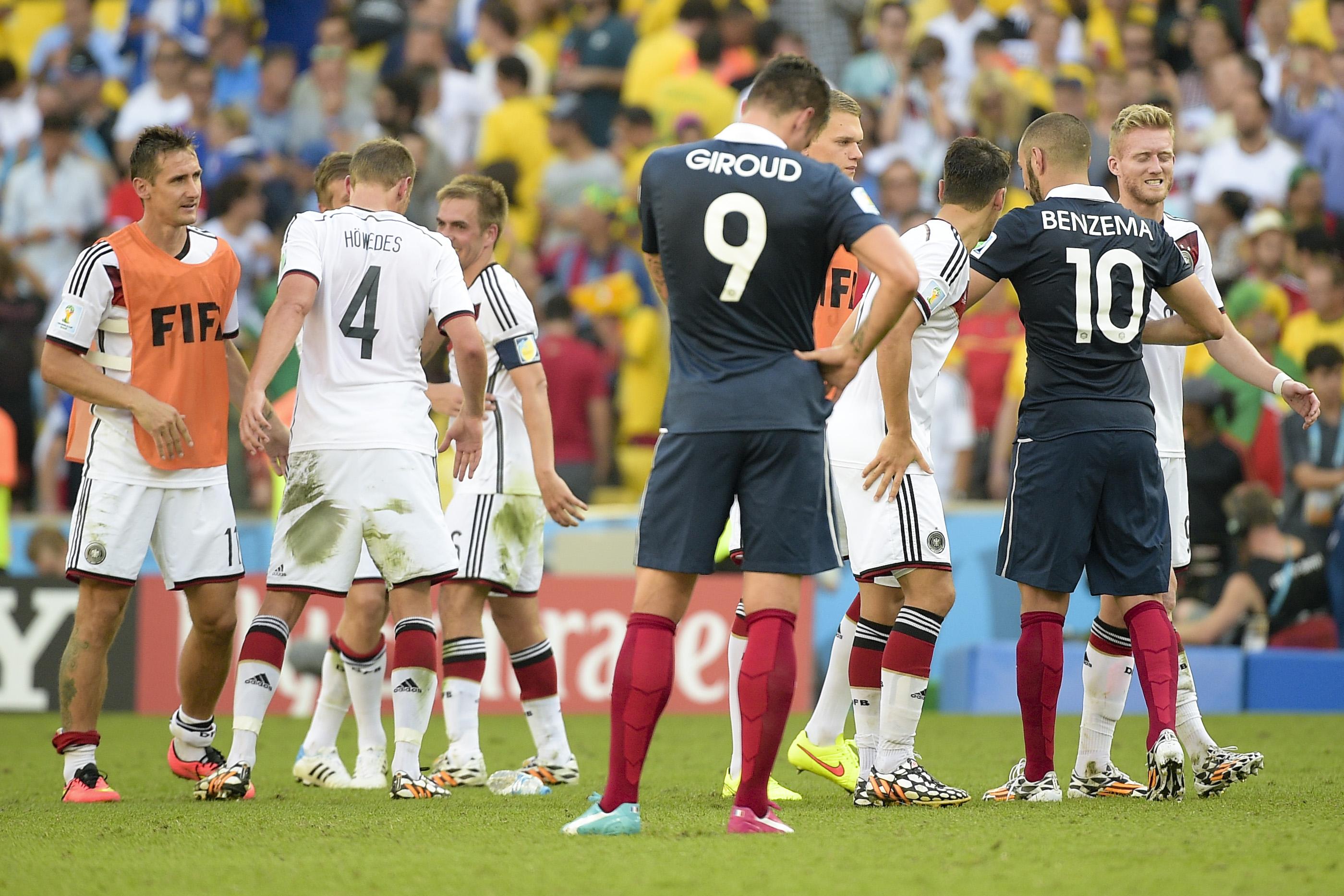 Football - Coupe du monde - Giroud et la comparaison avec Benzema : «C'est mon destin»