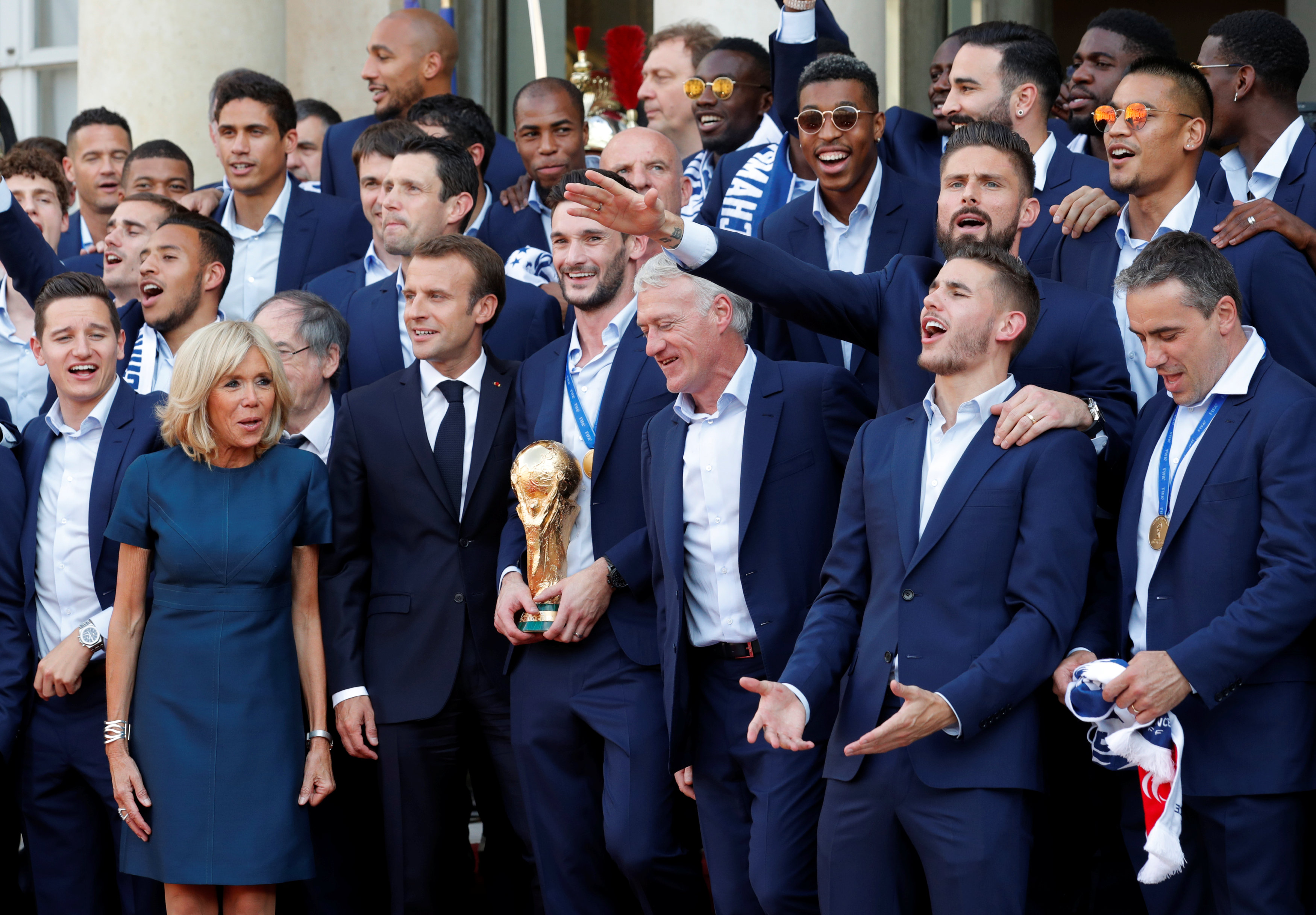 L quipe de france entre c l brations vacances et - Resultat coupe d europe de foot ...