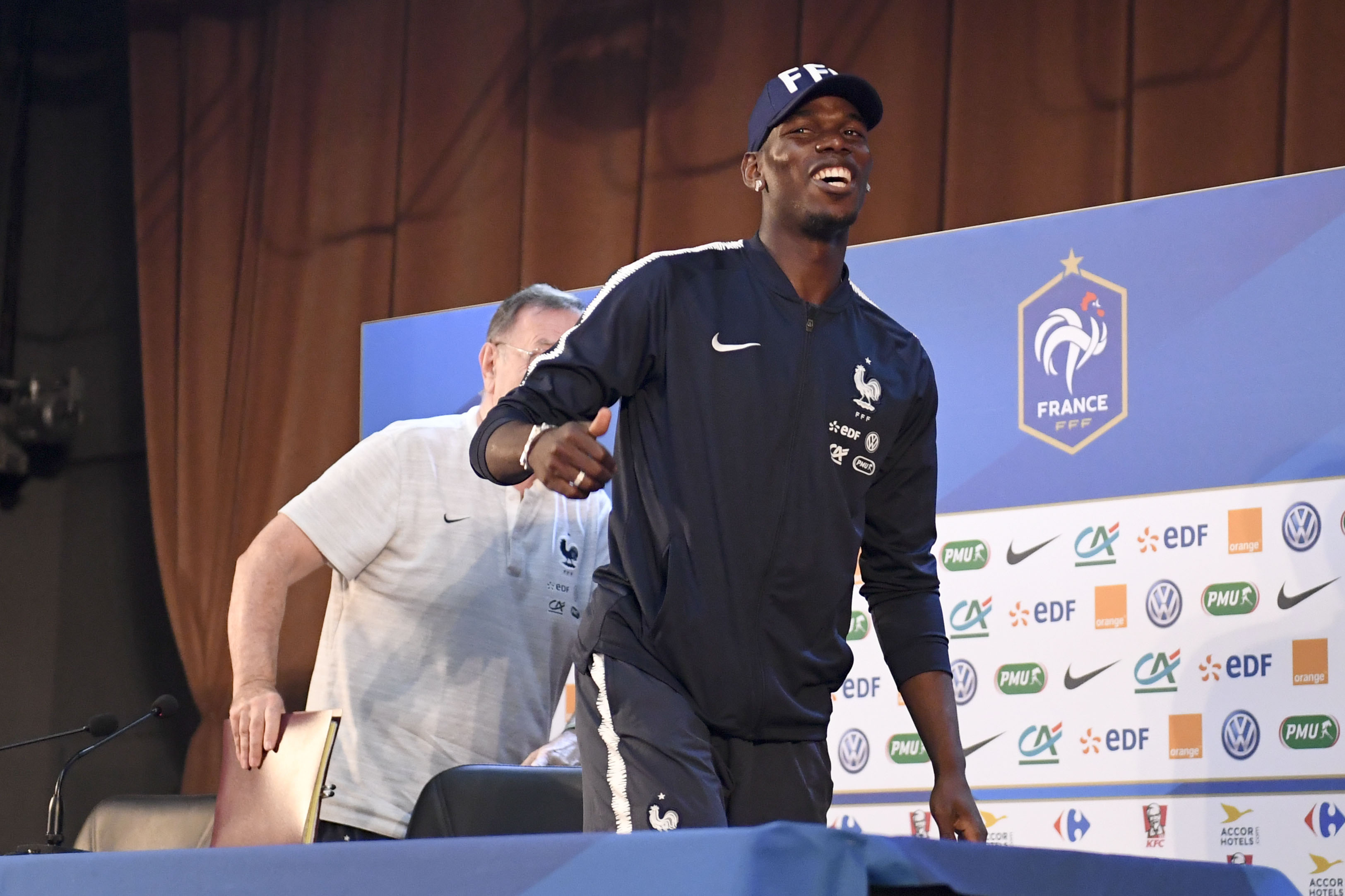 Football - Coupe du monde - La grande opération séduction de Paul Pogba