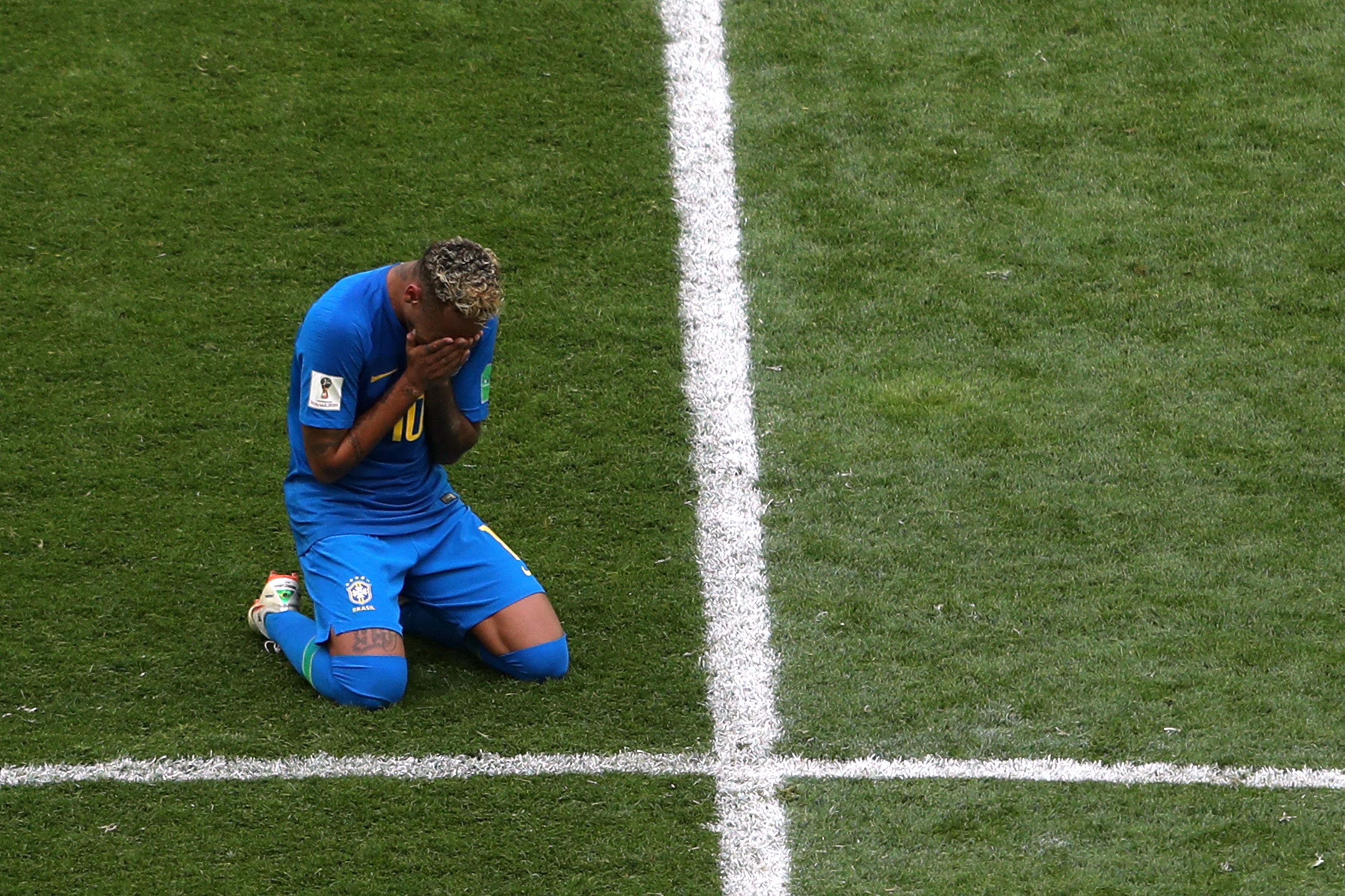 Football - Coupe du monde - Un bar offre une tournée générale à chaque chute de Neymar