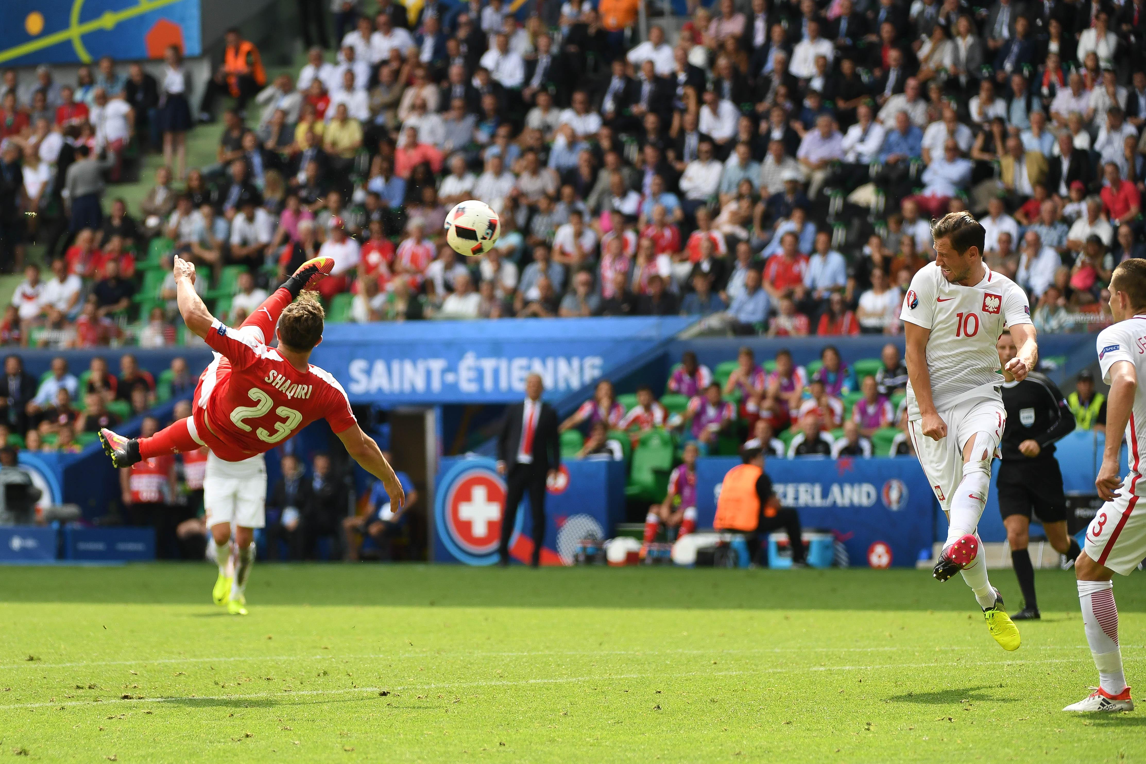 Football - L'album de l'Euro : Shaqiri, Griezman, Quaresma