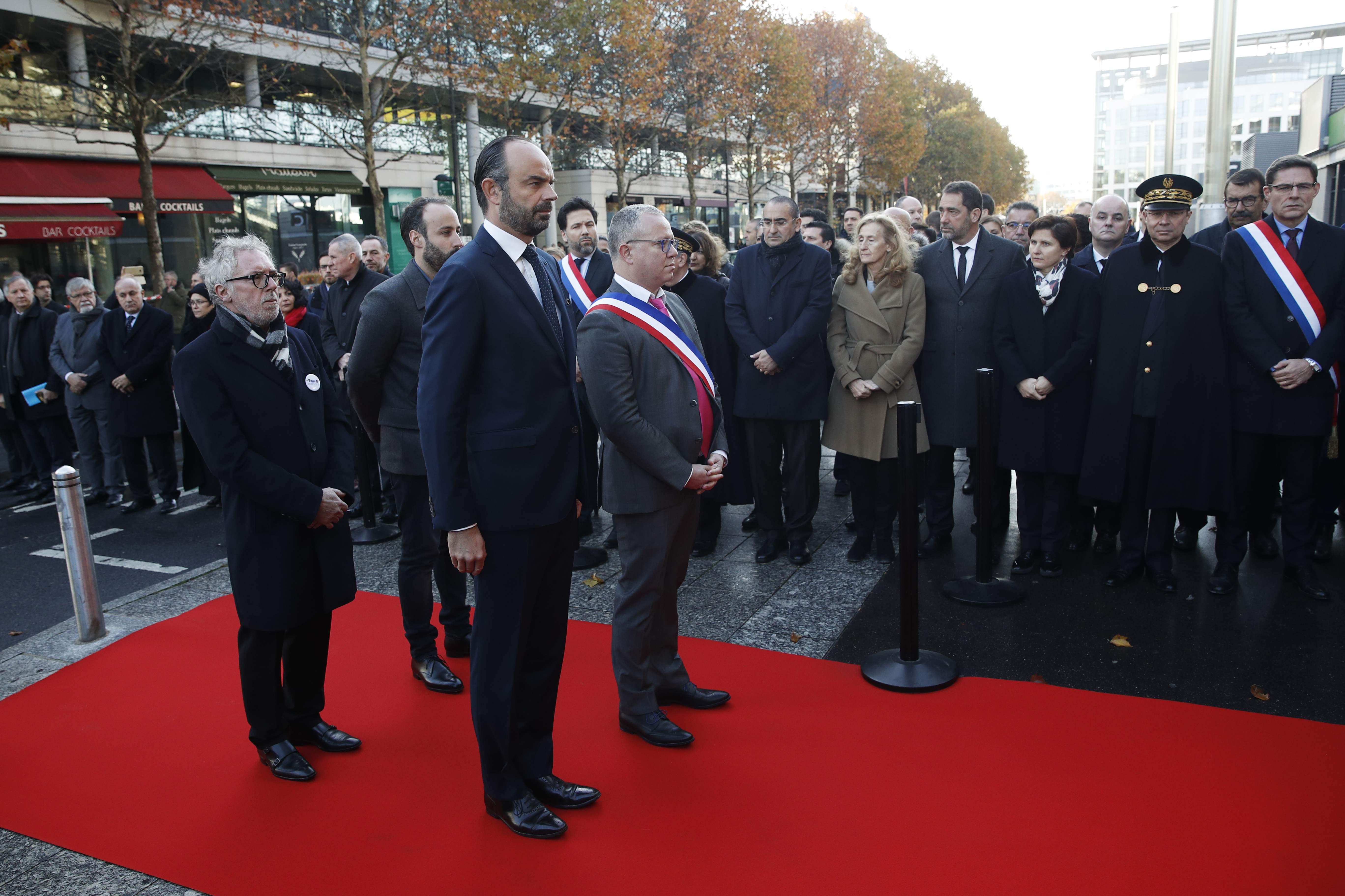 Football - Equipe de France - Attentats du 13 novembre : Edouard Philippe rend hommage à la victime du Stade de France