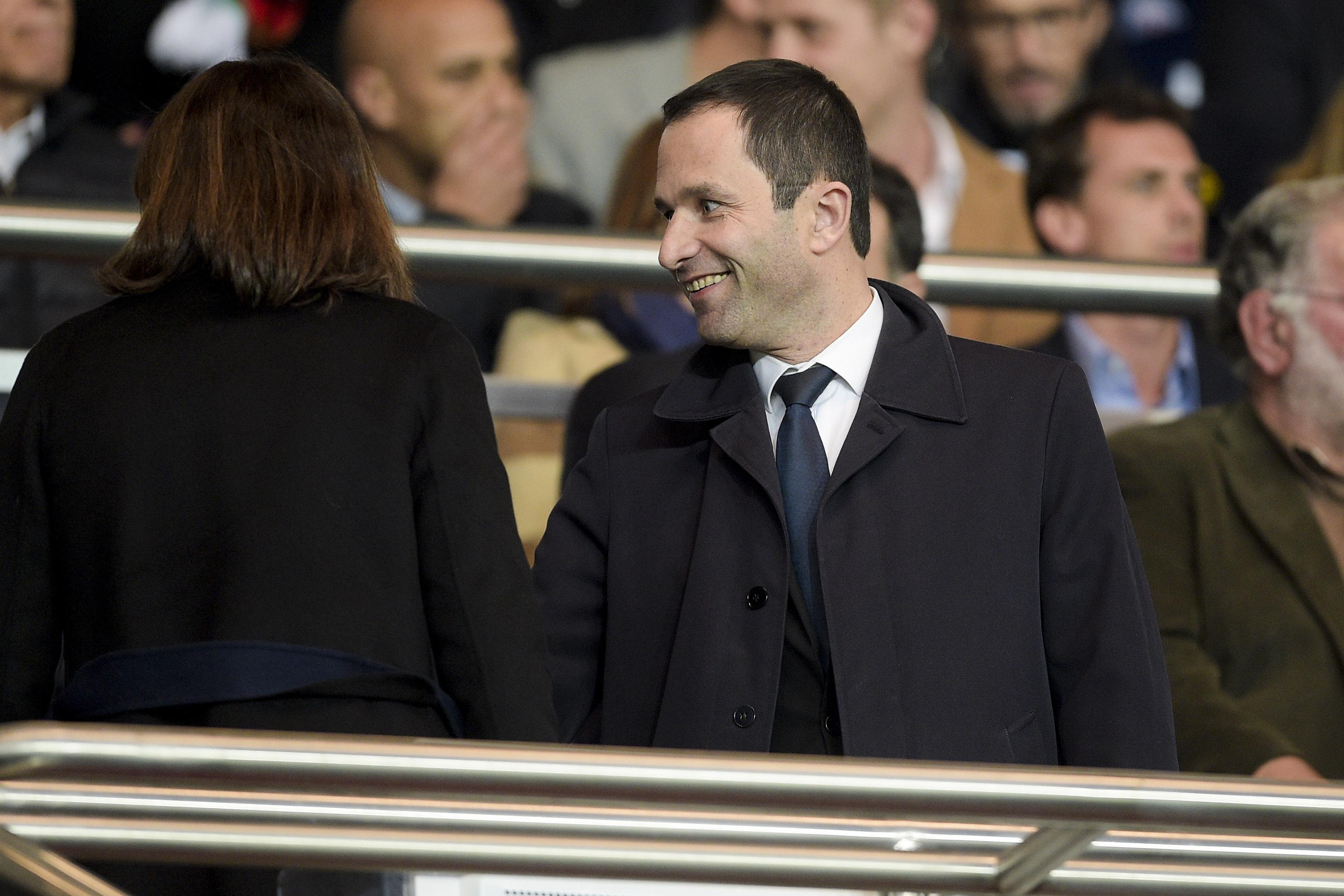 Football - Equipe de France - Benoît Hamon en faveur d'un retour de Benzema en sélection