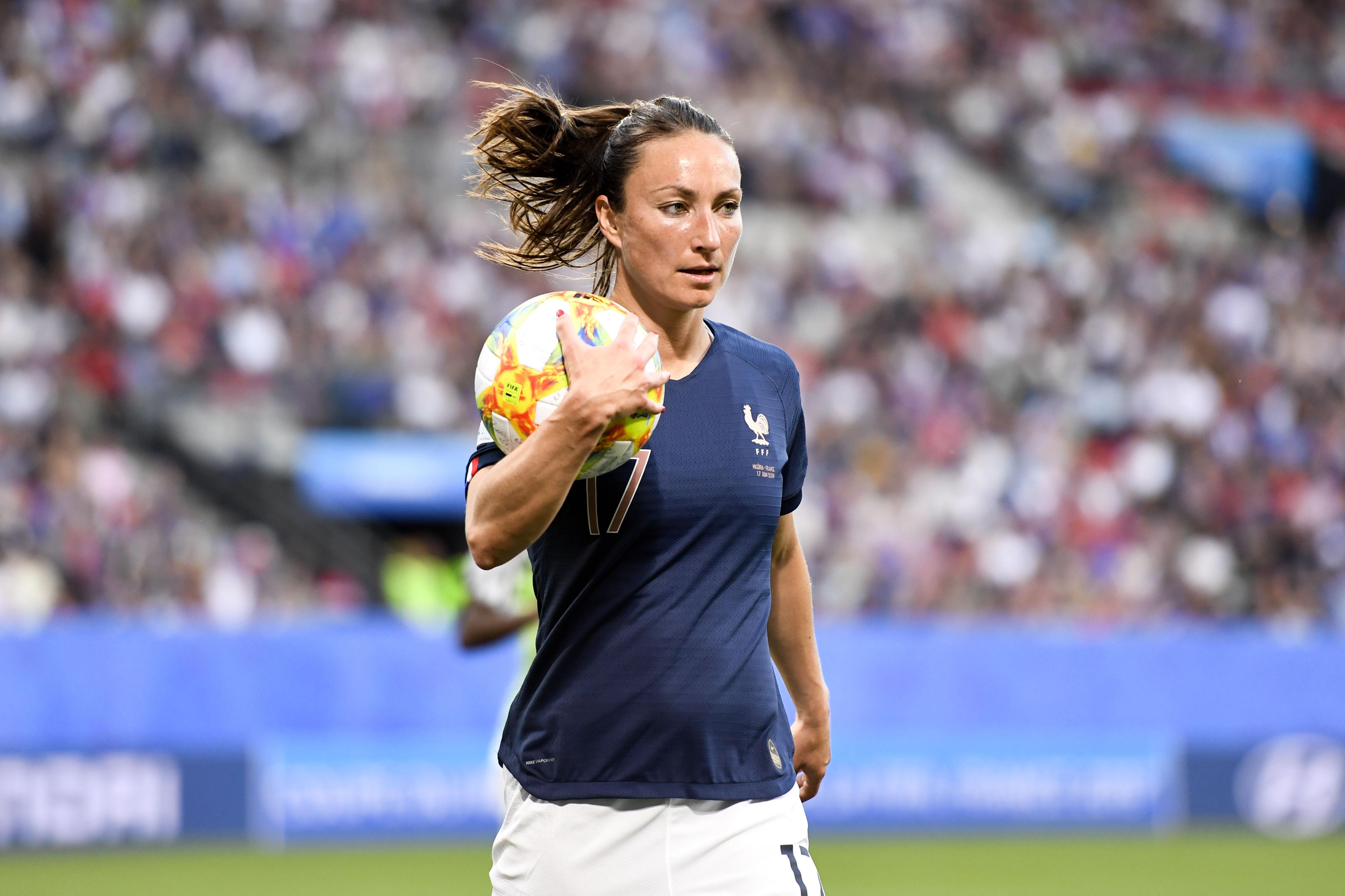 Football - Equipe de France - Gaëtane Thiney reste «sélectionnable» chez les Bleues