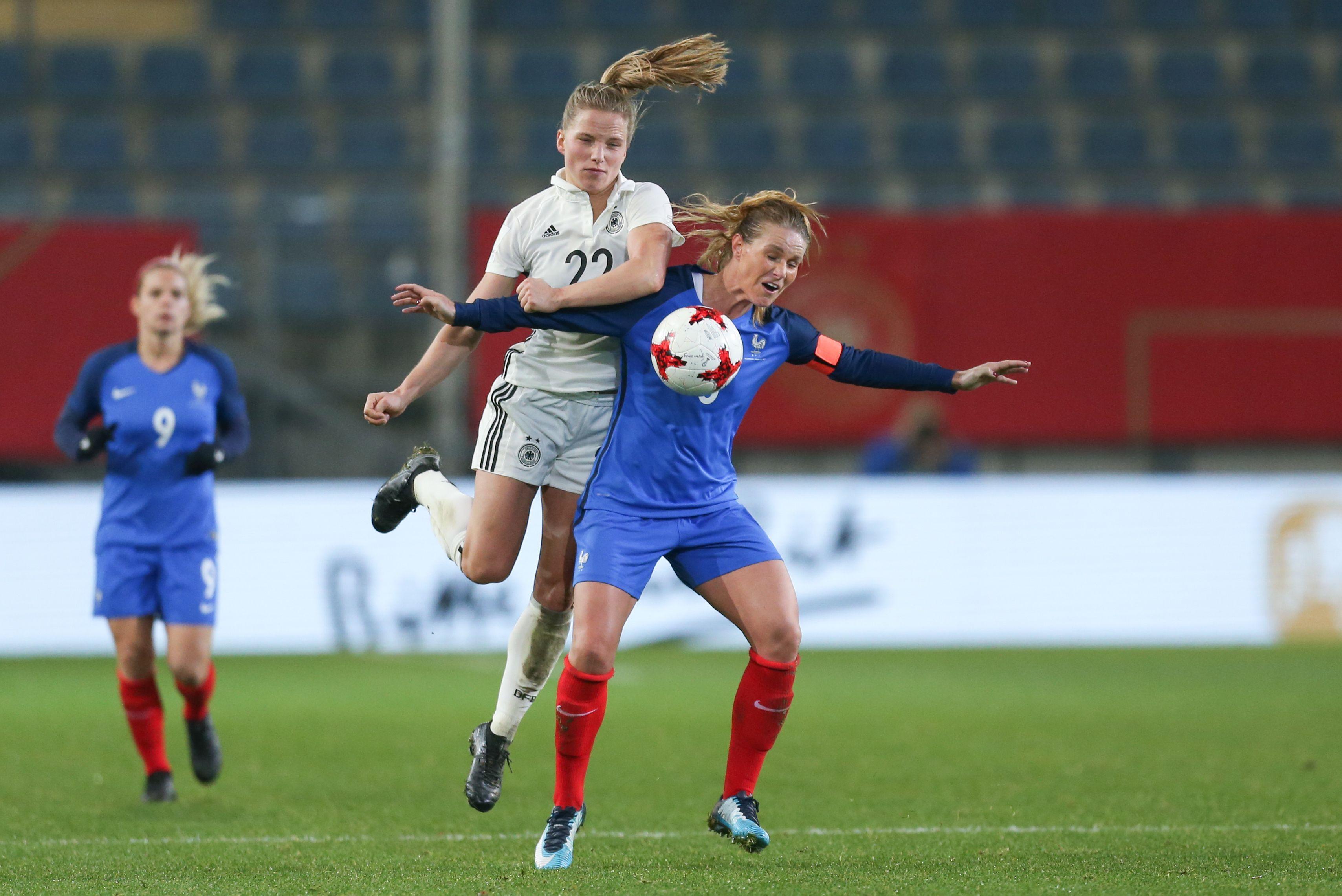 Football - Equipe de France - L'Allemagne surclasse la France de Corinne Diacre