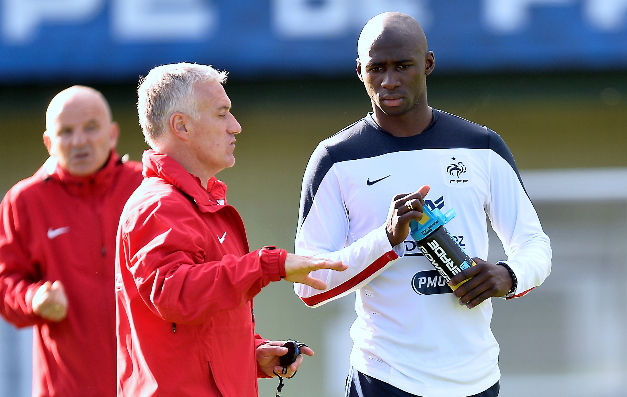 Football - Equipe de France - Equipe de France : Mangala remplace Mathieu