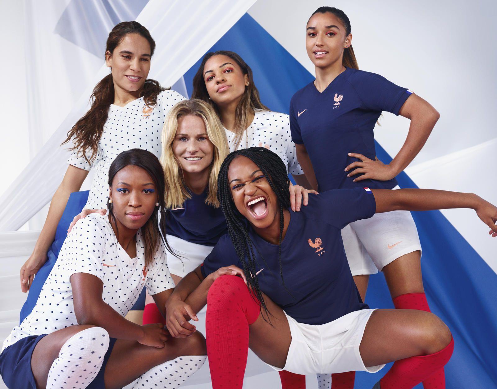 Football - Equipe de France - Mondial 2019 : du classique et du «girly» pour les nouveaux maillots des Bleues
