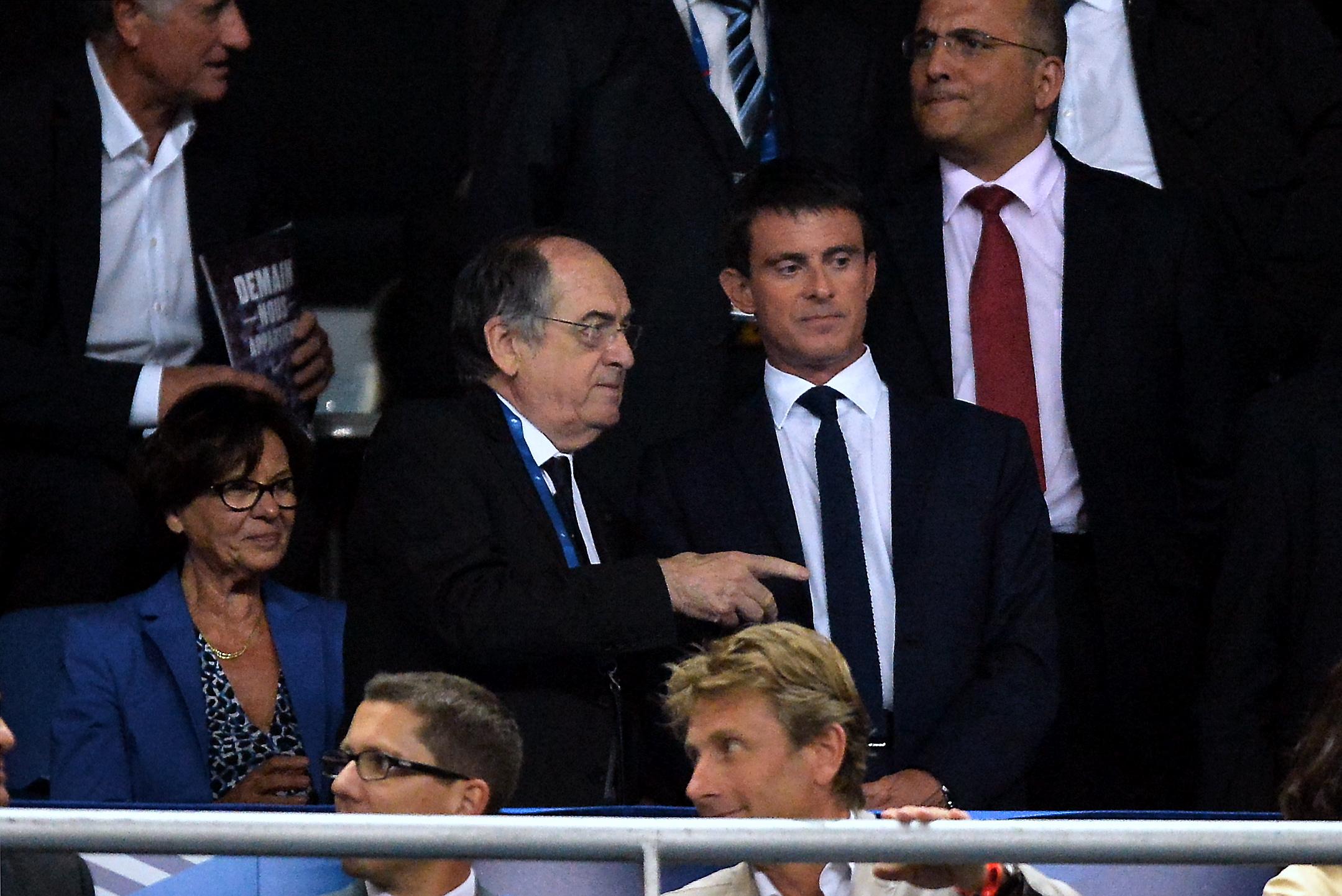 Football - Equipe de France - Pour Valls, Benzema «n'a plus sa place en équipe de France»