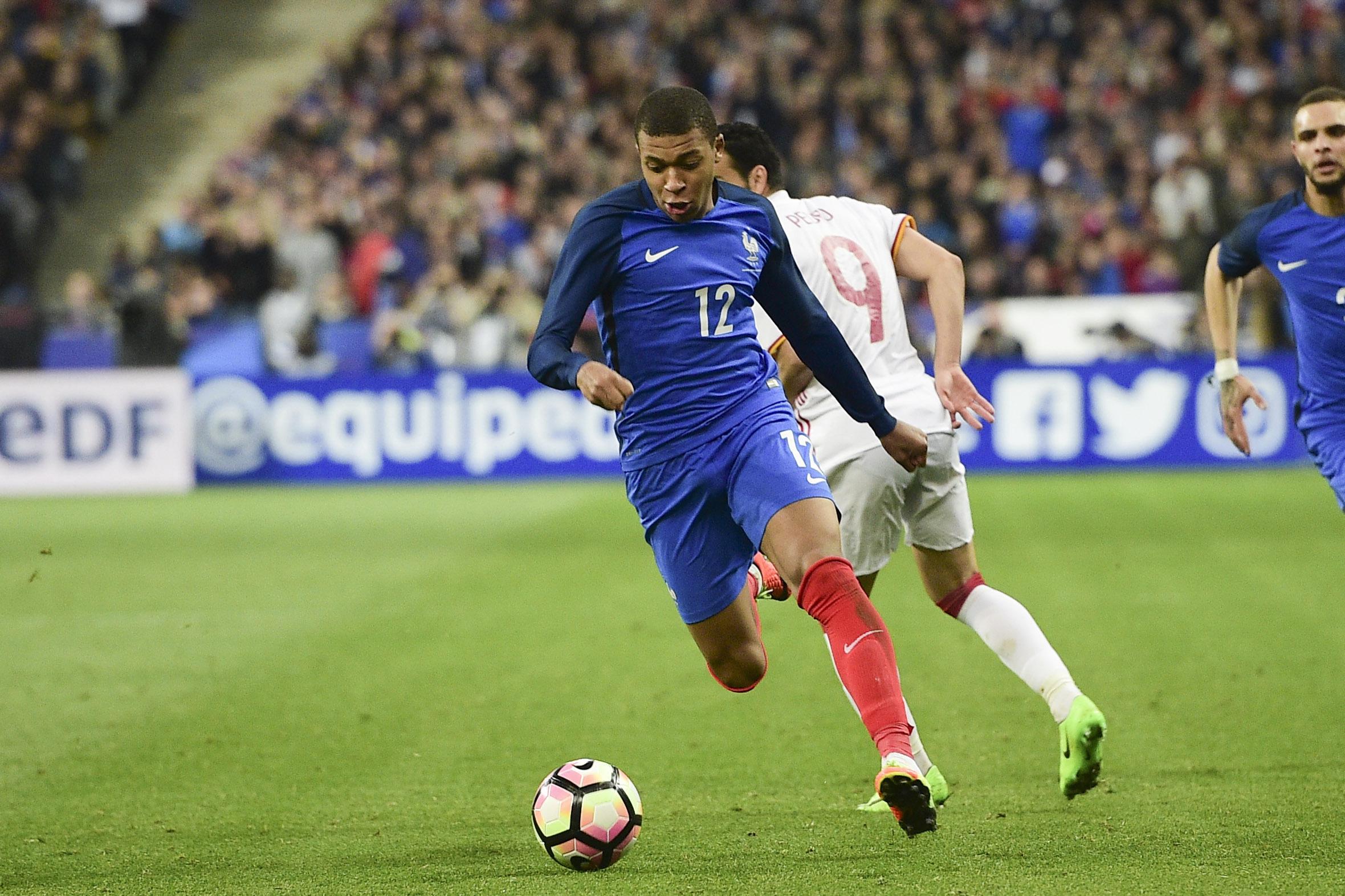 Football - Equipe de France - Quand Mbappé fait le show devant la presse