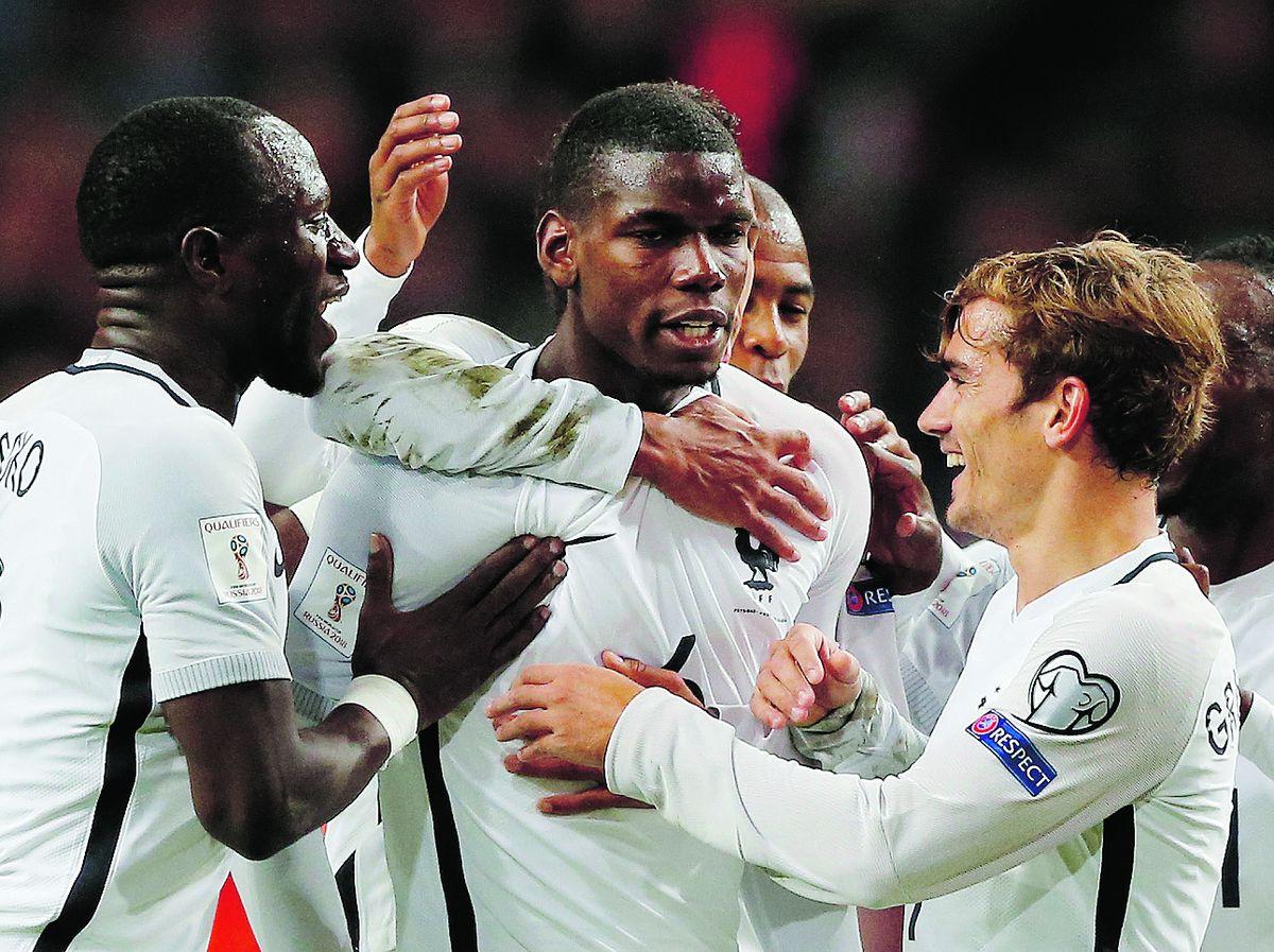 Football - Equipe de France - Sur la lancée de l'Euro, les Bleus continuent de grandir