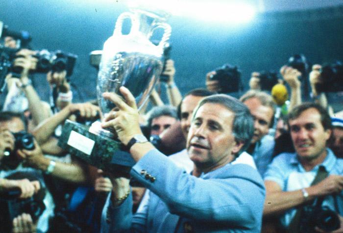 Football - Equipe de France - Un hommage pour Michel Hidalgo «après la période de confinement»