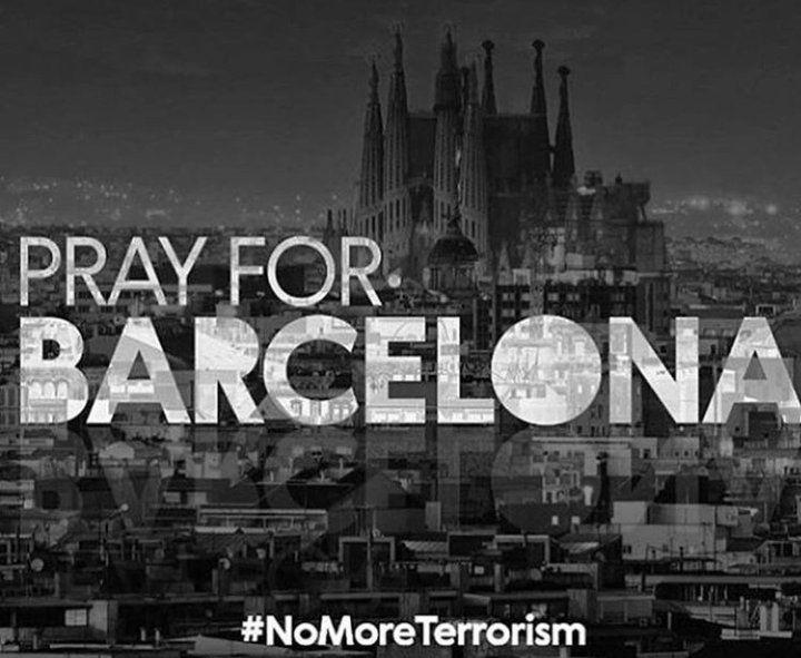 Football - Etranger - L'intense émotion des sportifs de Barcelone après l'attaque terroriste