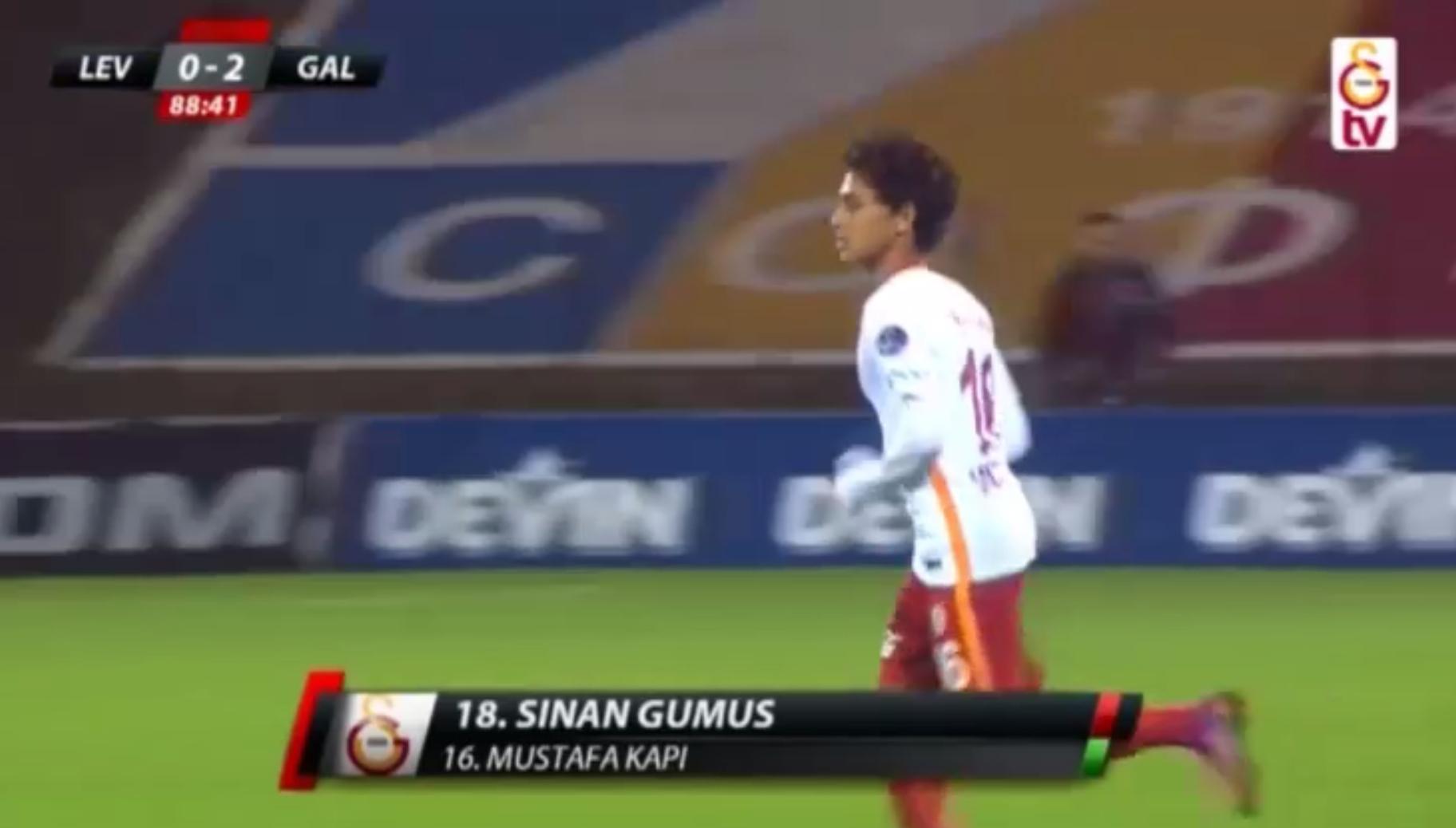 Football - Etranger - Les débuts de Kapi... à 14 ans