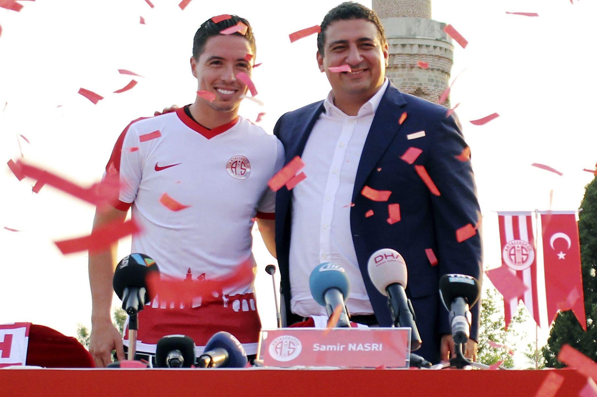 Football - Etranger - Nasri accueilli comme un roi en Turquie