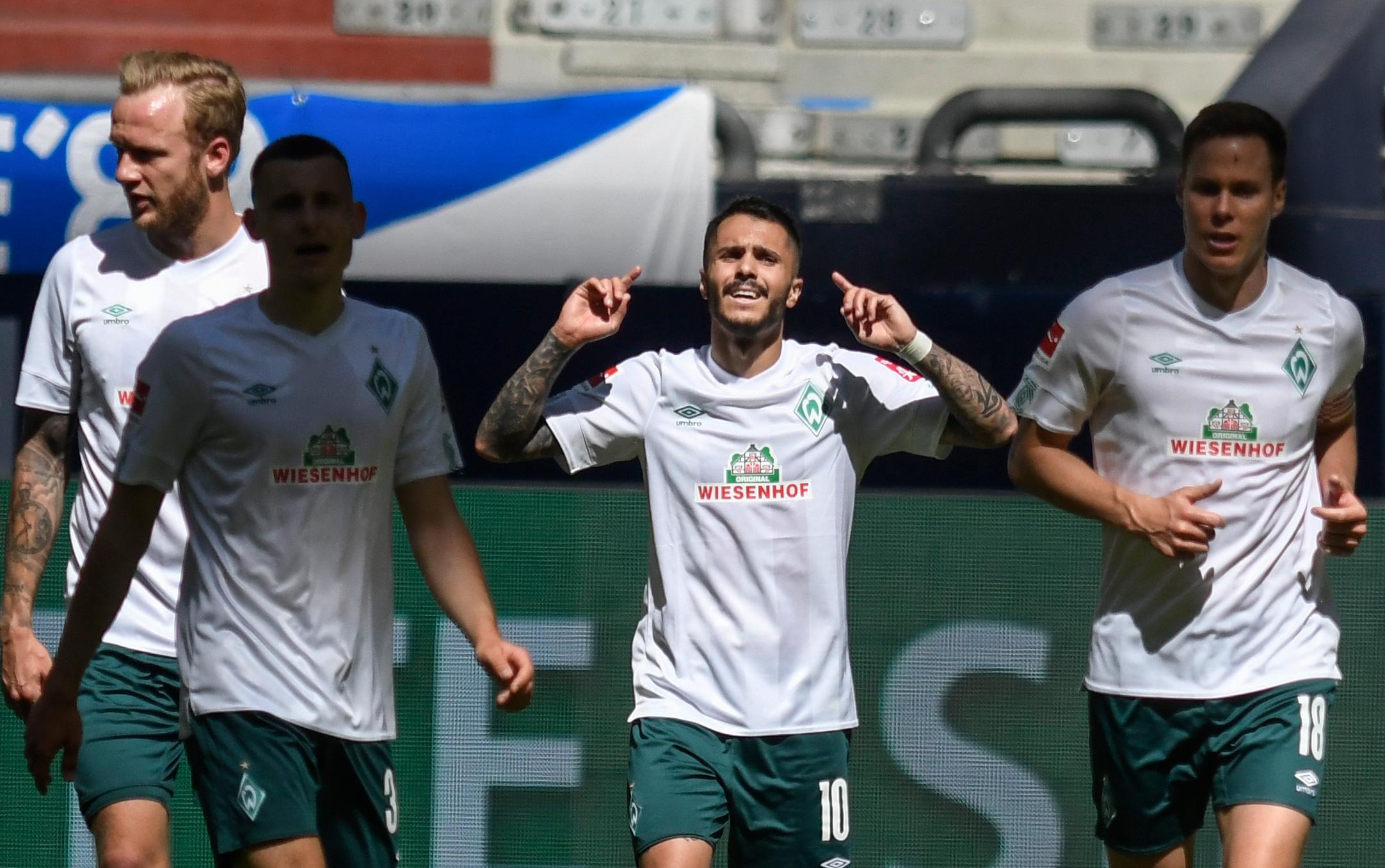 Football - Etranger - Bundesliga : Brême gagne et continue à croire au miracle