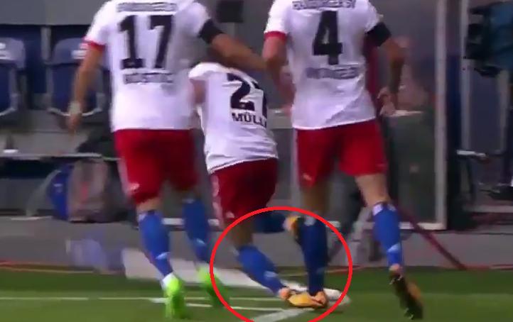Football - Etranger - Bundesliga : un joueur se blesse gravement en célébrant un but