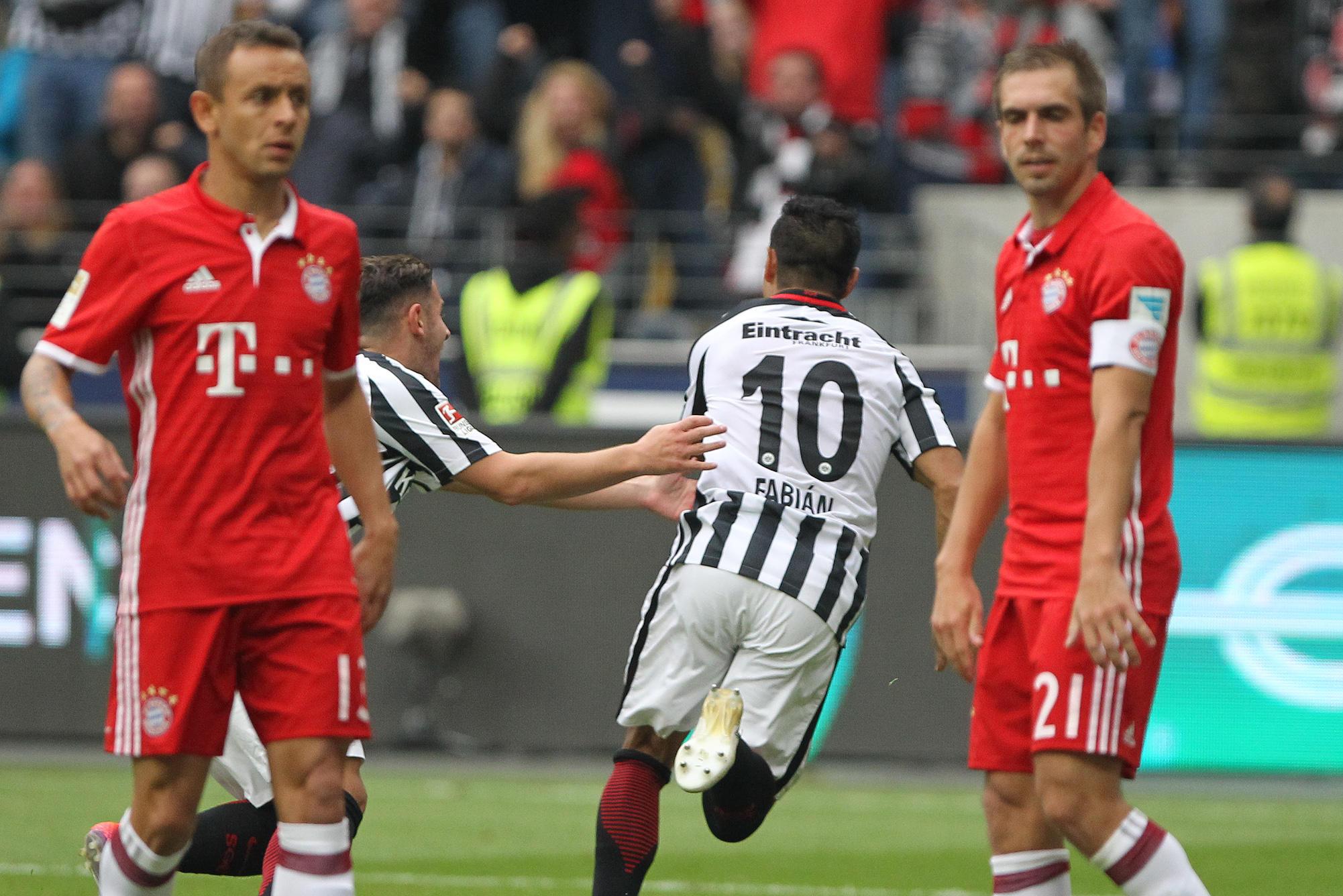 Football - Etranger - Accroché à Francfort, le Bayern n'avance plus