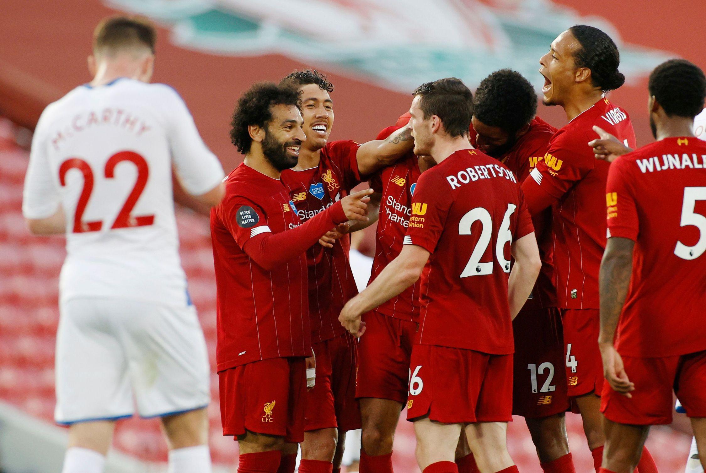 Football - Etranger - Liverpool, la saison de tous les records