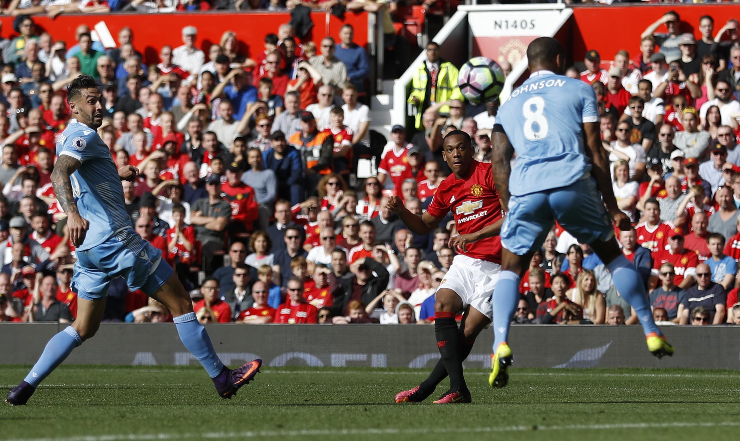 Football - Etranger - Malgré un but de Martial, Manchester United tousse
