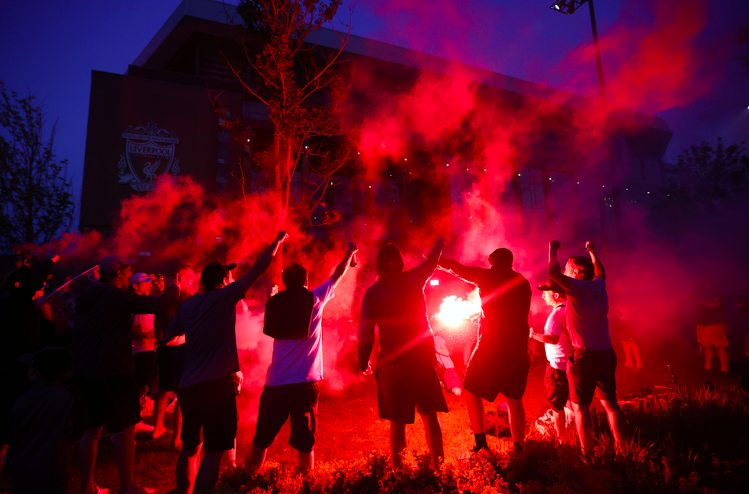 Football - Etranger - Nuit rouge à Liverpool