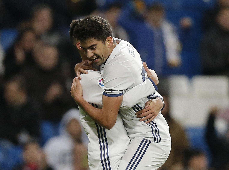 Football - Etranger - Zidane lance son fils, Enzo, qui marque (déjà) avec le Real