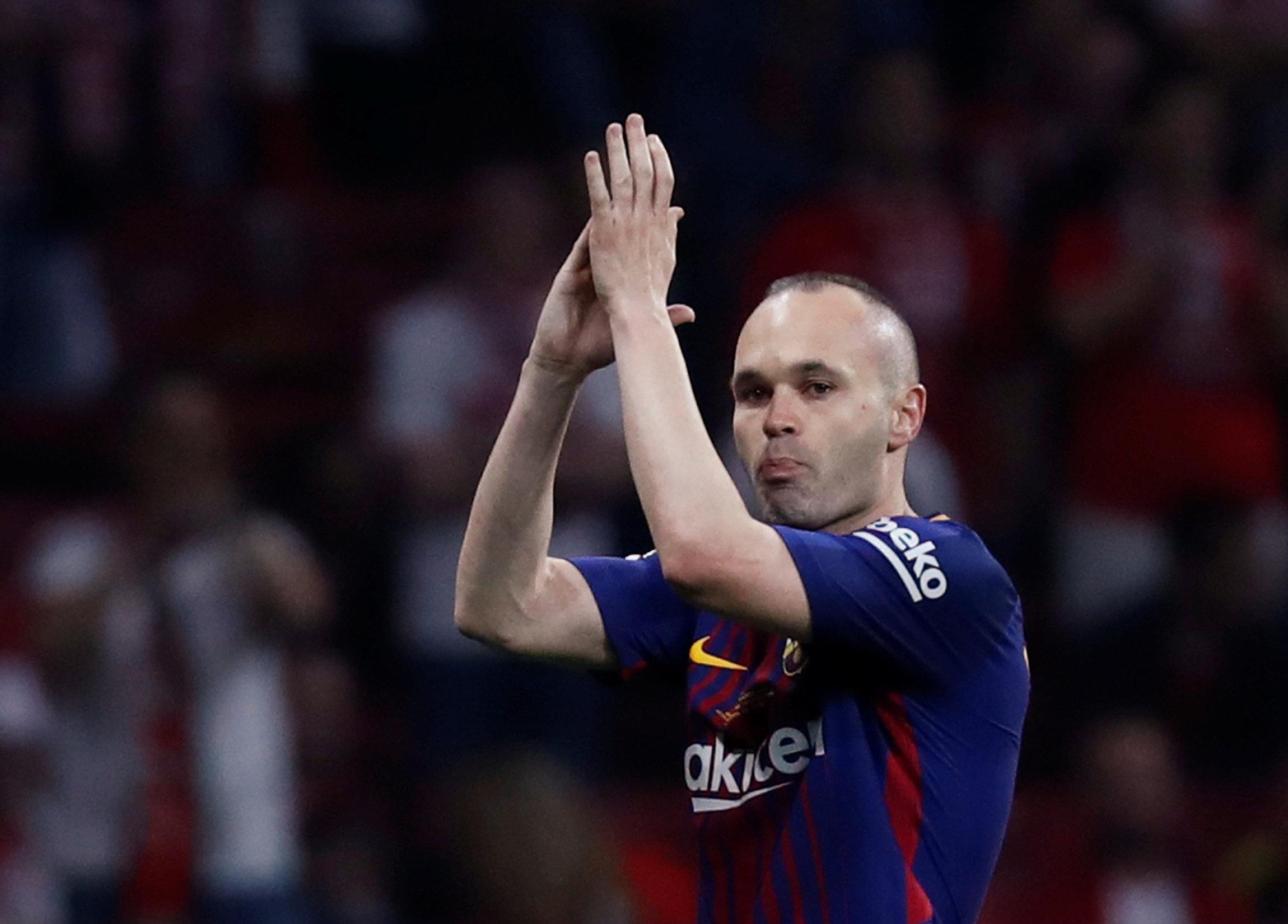 Le monument Iniesta annonce son départ du Barça
