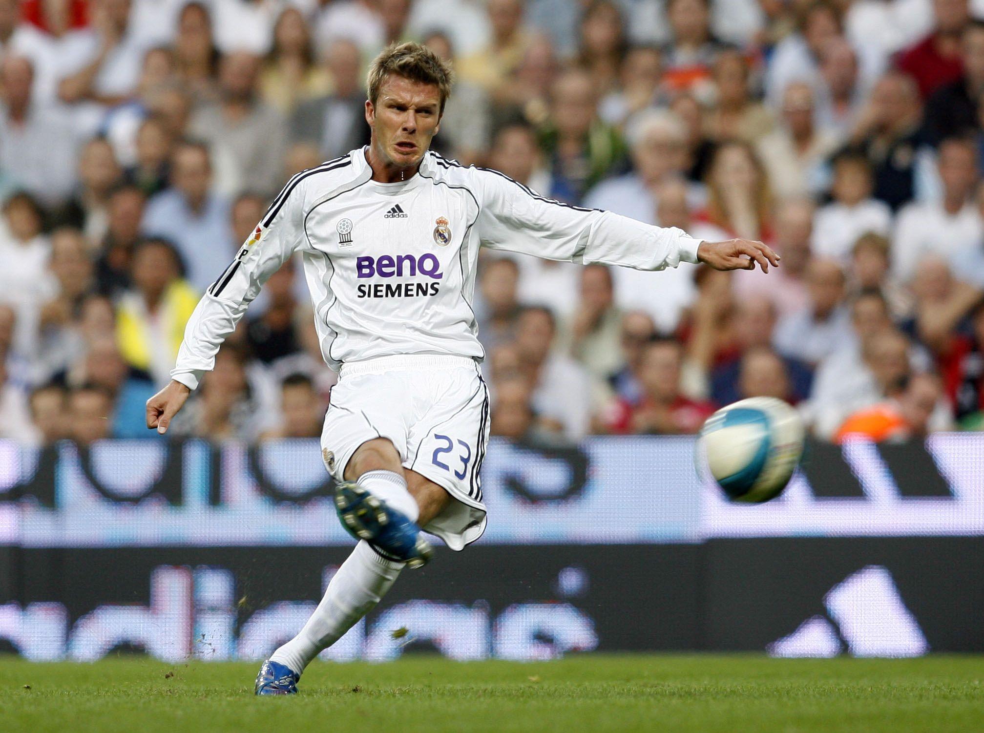 Football - Etranger - Beckham fête ses 45 ans : ses plus beaux coups francs avec le Real Madrid