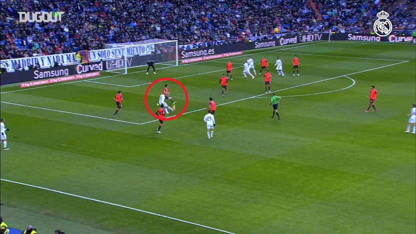 Football - Etranger - Real Madrid-Real Sociedad : la merveille de Benzema en lucarne en 2015