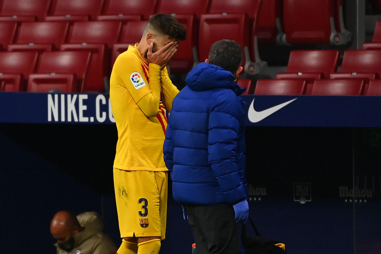 Football - Etranger - Touché au genou, Gerard Piqué quitte le terrain en larmes