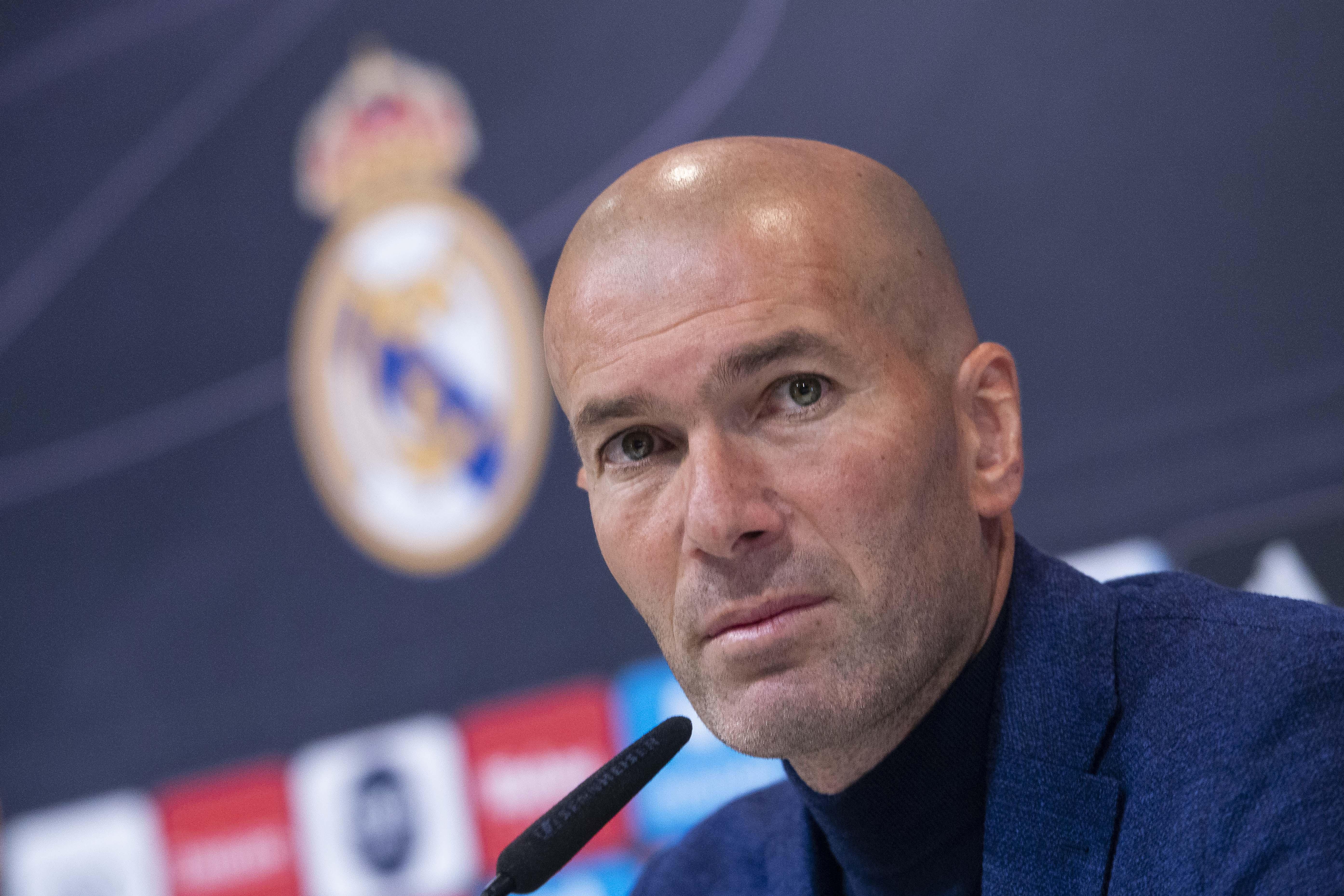 Football - Etranger - Zidane de retour au Real Madrid : Bonne ou mauvaise idée ?