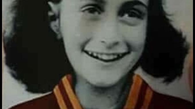 Football - Etranger - Les supporters de la Lazio diffusent des images d'Anne Frank
