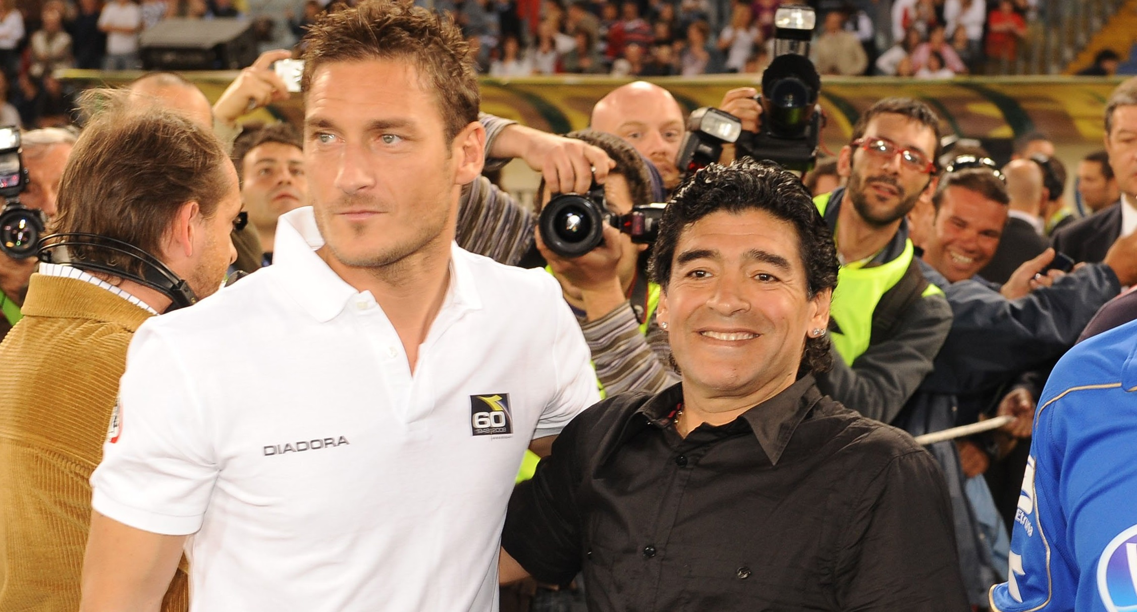 Football - Etranger - Maradona : «Totti devrait jouer jusqu'à 50 ans»