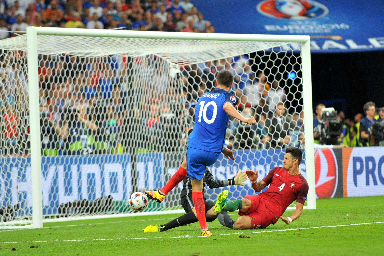 Football - Euro 2016 - Euro 2016 : Gignac pense toujours au poteau contre le Portugal