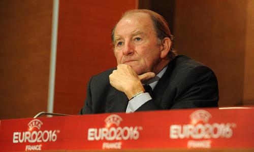 EURO 2016 EN FRANCE CA SE RAPPROCHE  - Page 2 L-Euro-2016-largement-dans-les-temps-de-passage_article_hover_preview