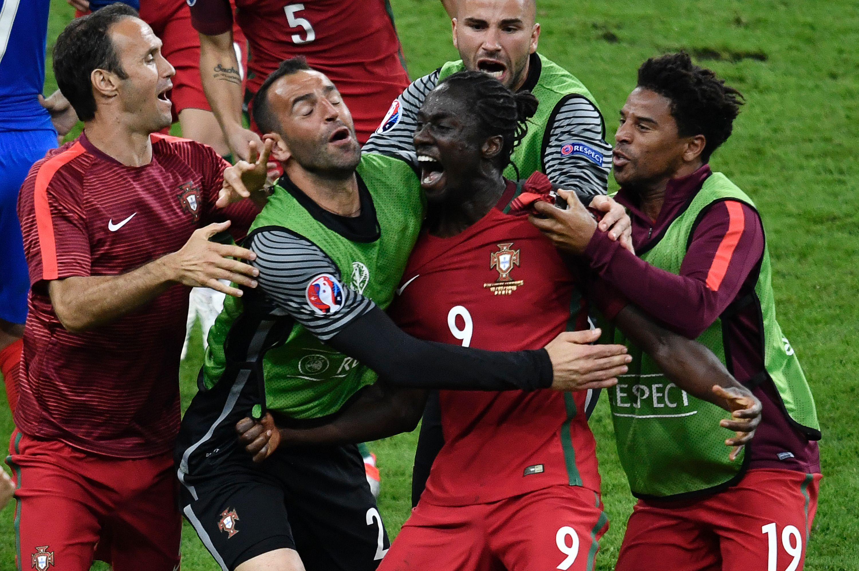 Le Reve Bleu Brise Par Le Portugal En Finale De L Euro 2016 Euro
