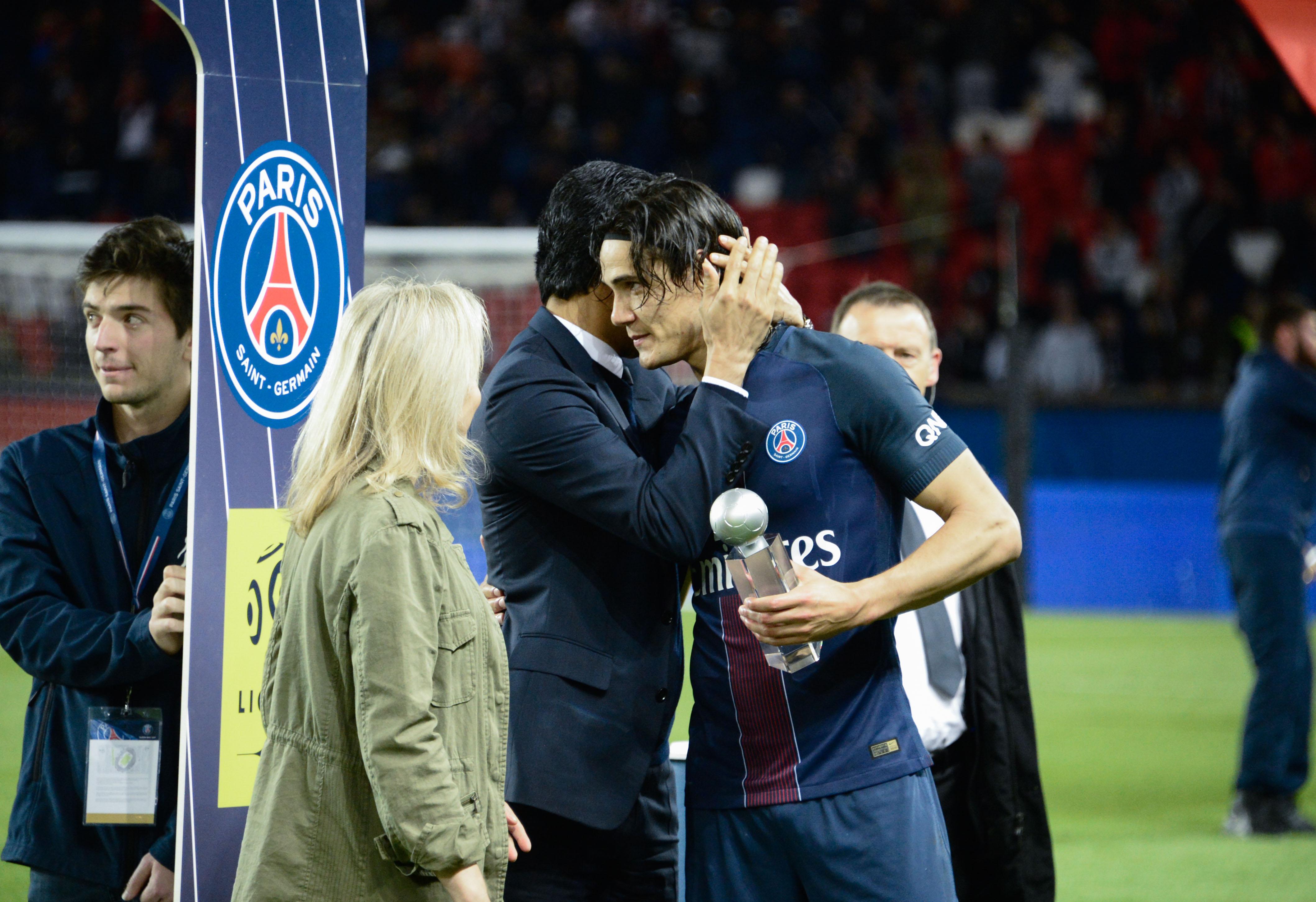Football - Ligue 1 - 1M€ offert à Cavani … pour qu'il ne tire plus de penalty ?