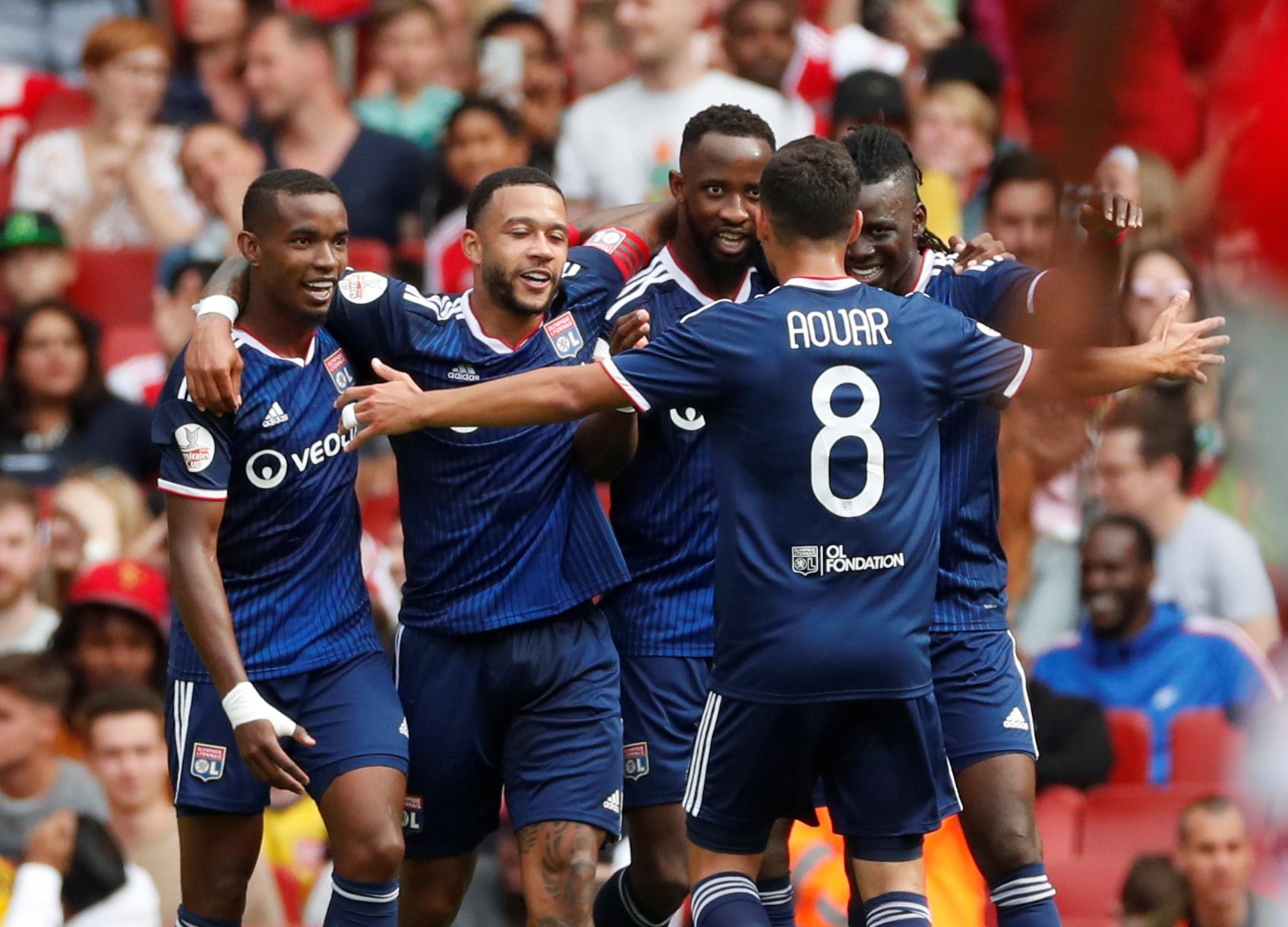 Football - Ligue 1 - Amical : Dembele et Lyon coulent Arsenal