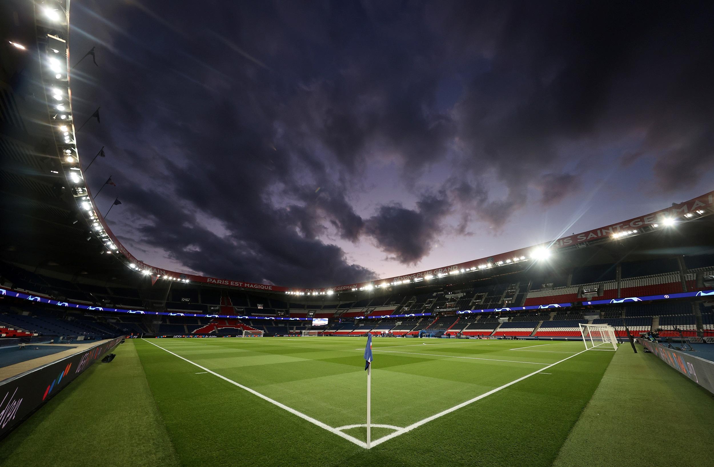 Football - Ligue 1 - Arrêt du football en France : les coulisses d'un chaos sans précédent
