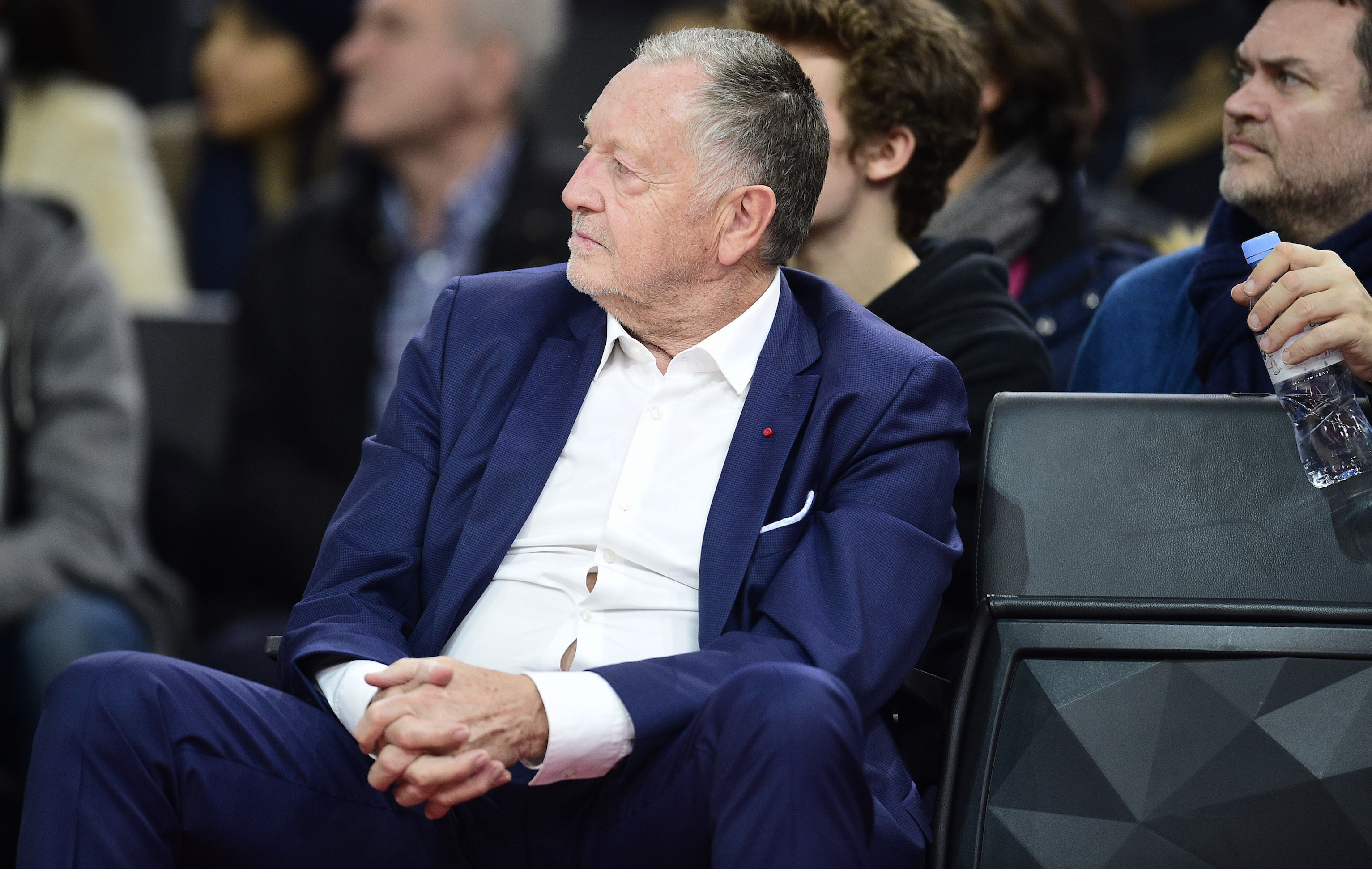 Football - Ligue 1 - Aulas prêt à «laisser tomber» la Ligue des champions pour terminer la saison