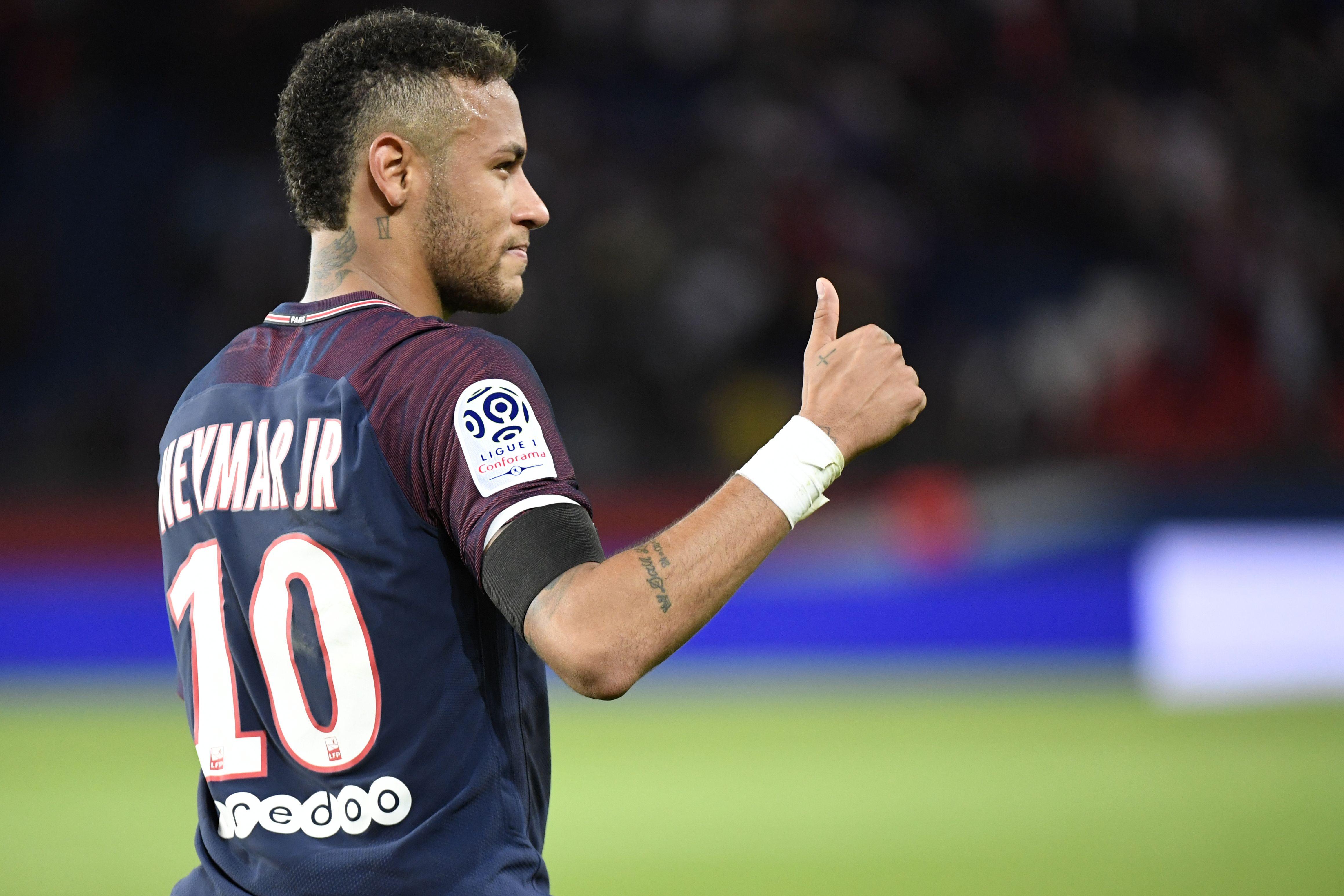 Football - Ligue 1 - Carton plein pour la superstar Neymar, le PSG fait déjà peur
