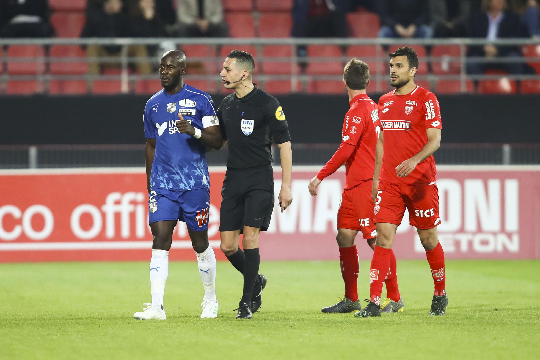 Football - Ligue 1 - Cris de singe à Dijon : Gouano n'a pas porté plainte et veut «pardonner» au supporter