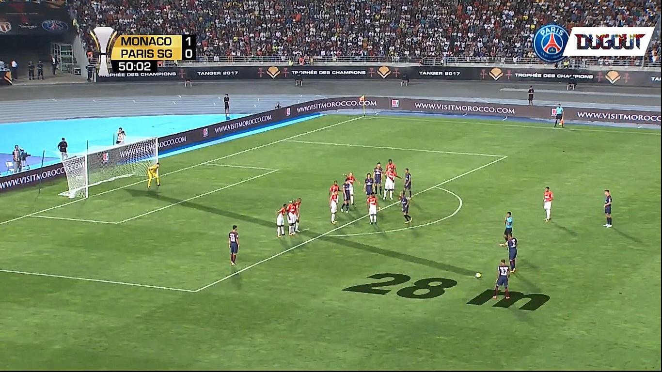 Football - Ligue 1 - Dani Alves fête ses 37 ans: son coup franc pour son premier match avec le PSG