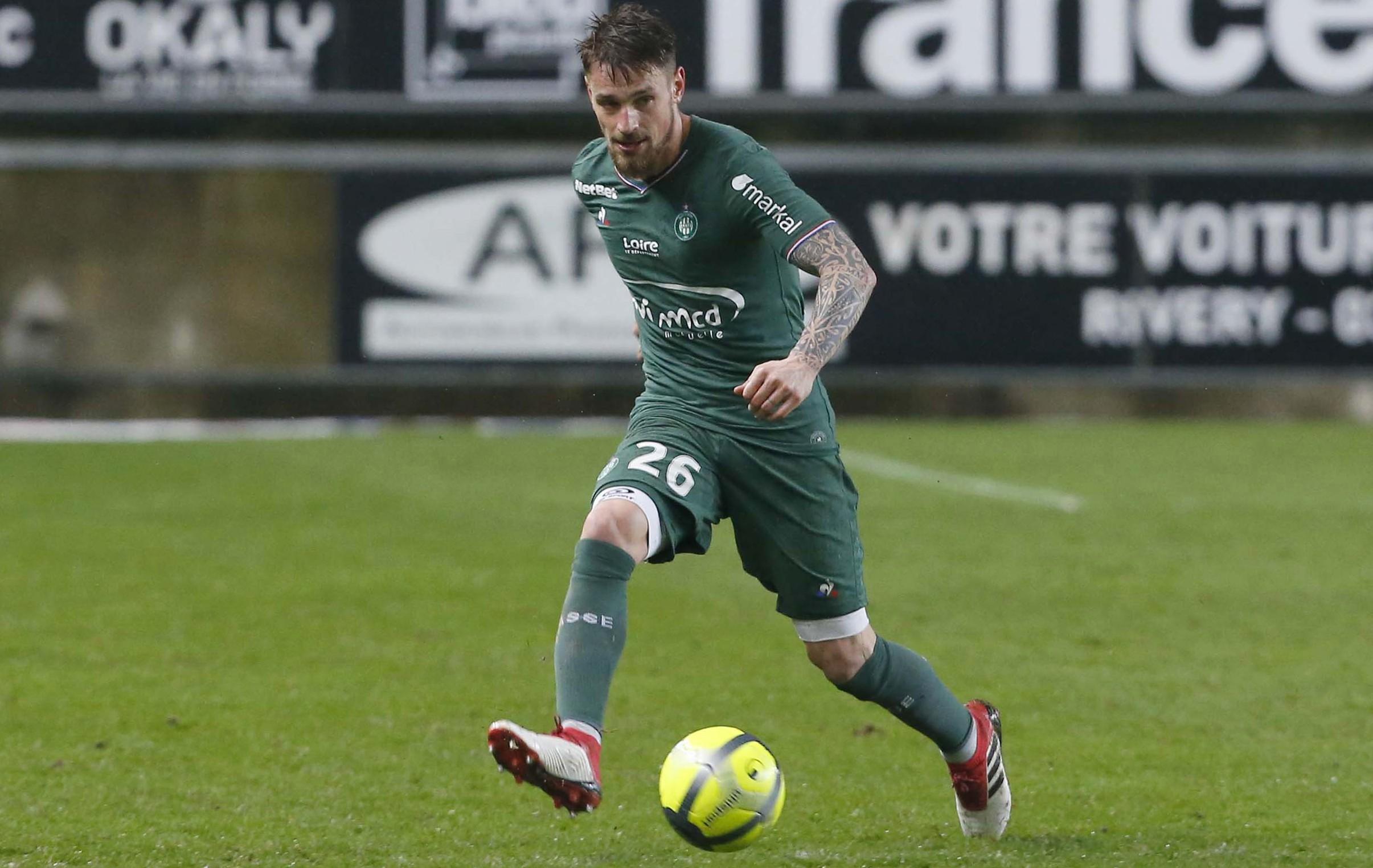 Football - Ligue 1 - Mathieu Debuchy, objectif Russie ?