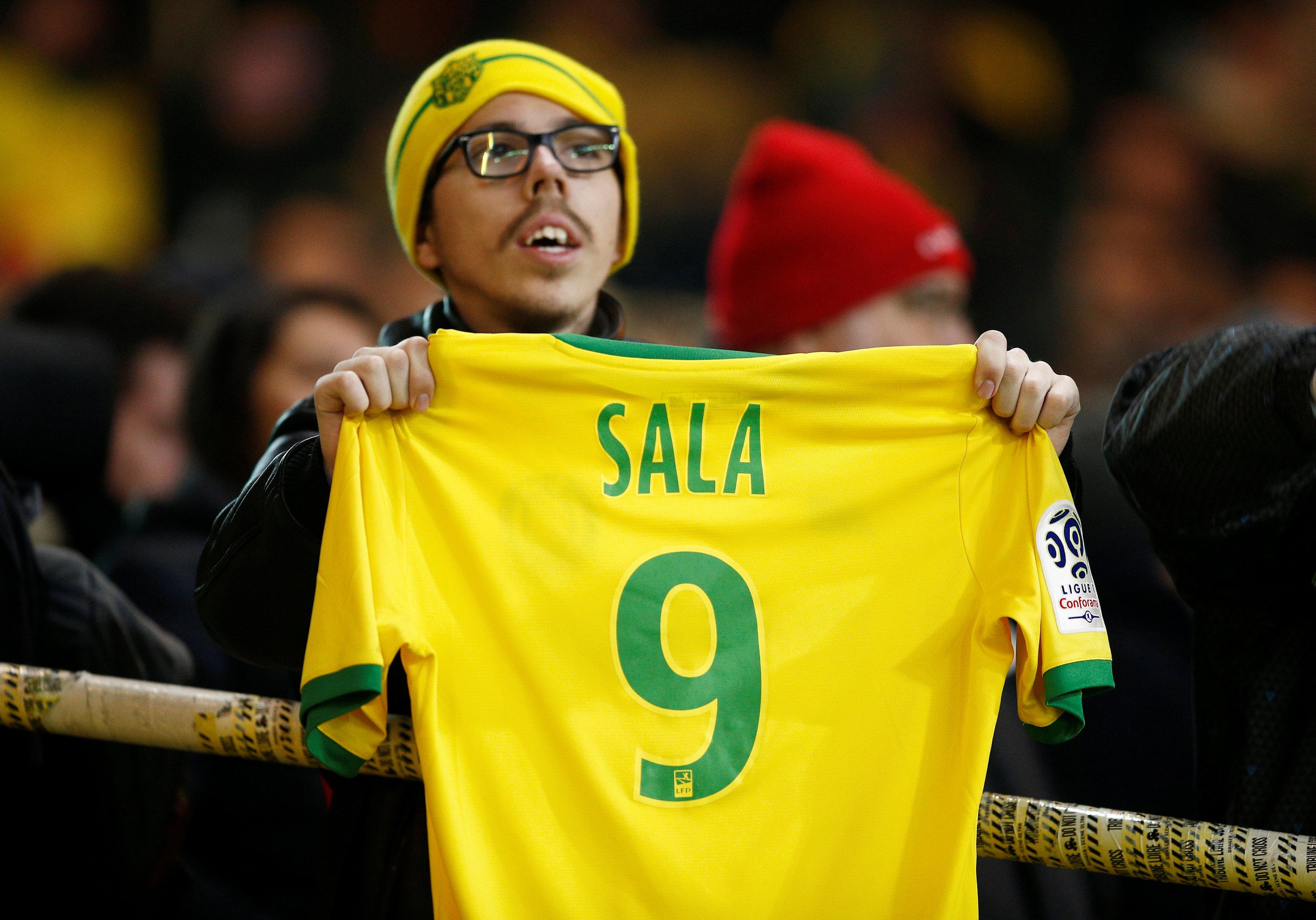 Football - Ligue 1 - Emiliano Sala : le vibrant hommage de la Beaujoire à la 9e minute de Nantes-ASSE en vidéo
