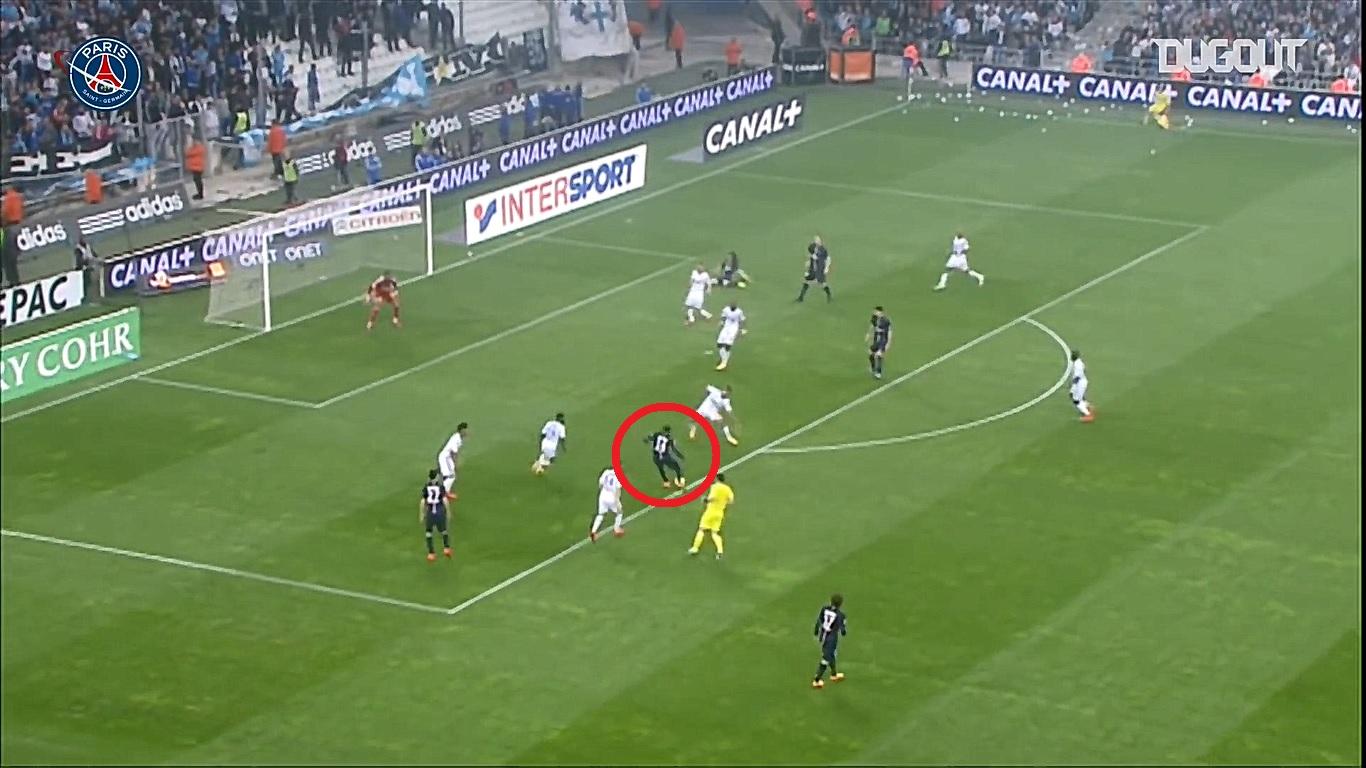 Football - Ligue 1 - En attendant le foot : l'enroulée pied droit de Matuidi lors du Classique OM-PSG