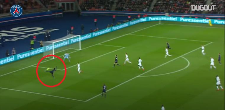 Football - Ligue 1 - En attendant le foot : l'incroyable but collectif inscrit par Van der Wiel face à Angers