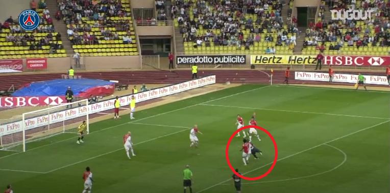 Football - Ligue 1 - En attendant le foot : la belle reprise de volée d'Erding avec le PSG contre Monaco