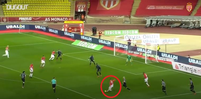 Football - Ligue 1 - En attendant le foot : la magnifique frappe enroulée de Ghezzal face à Metz